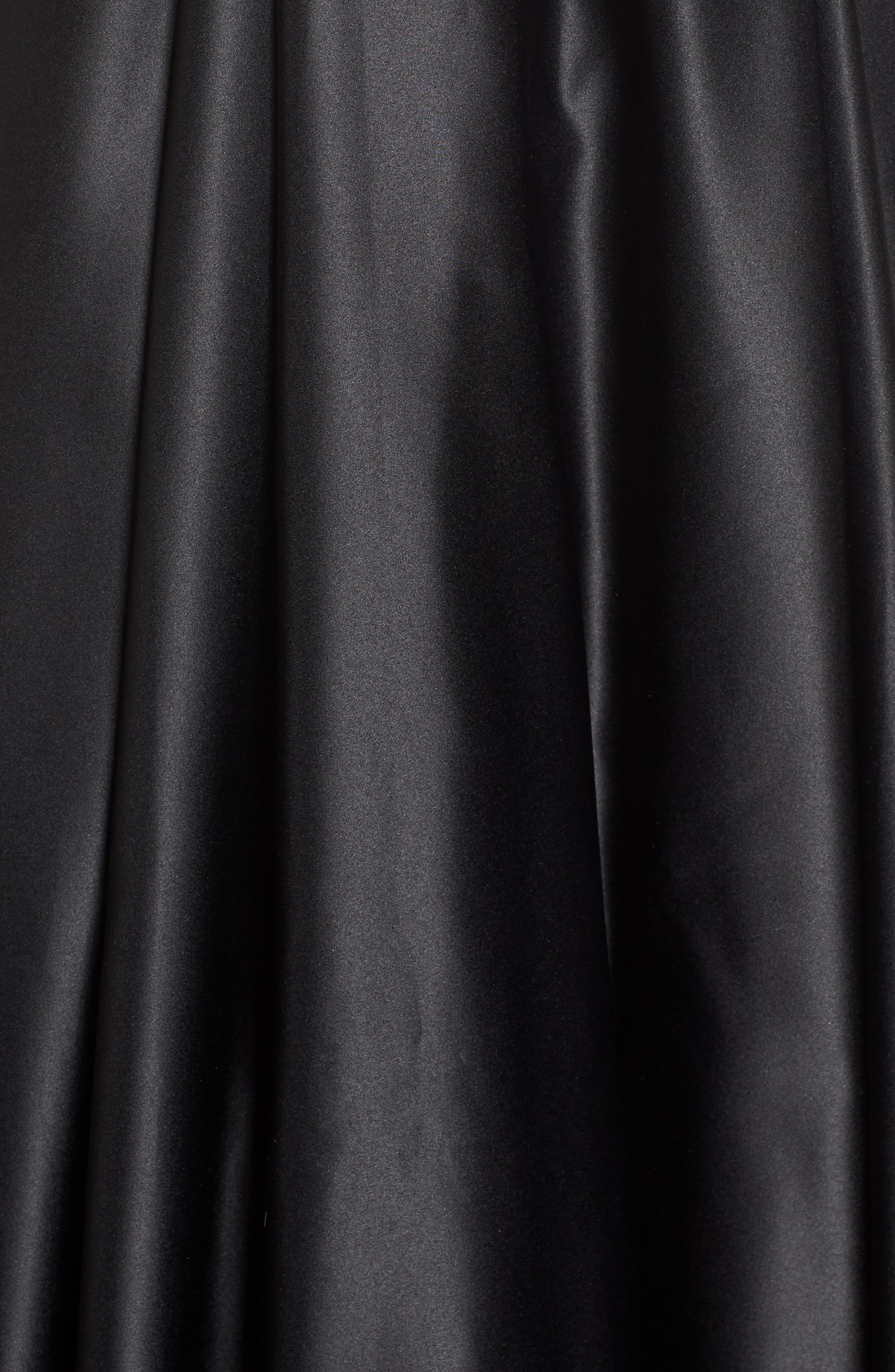 BLONDIE NITES, Halter Neck Embellished Pocket Satin Evening Dress, Alternate thumbnail 6, color, BLACK/ GOLD