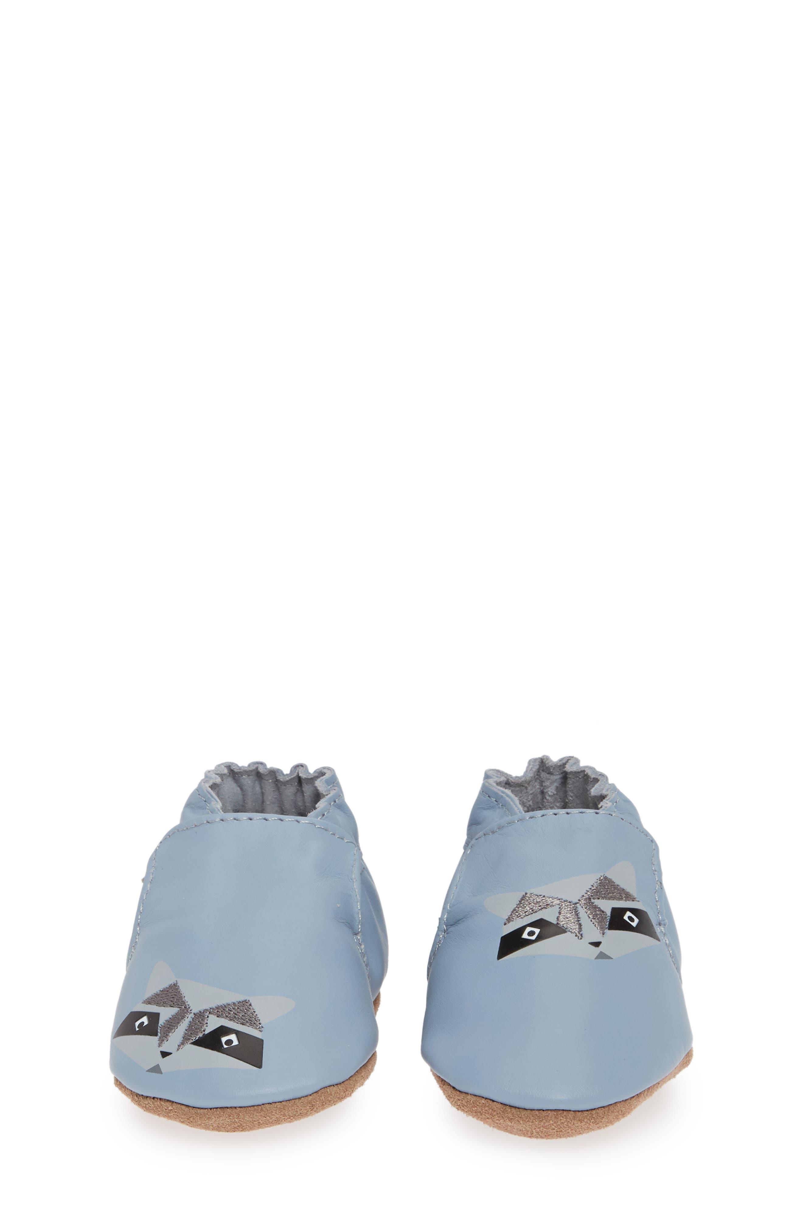ROBEEZ<SUP>®</SUP>, Raccoon Buddies Crib Shoe, Alternate thumbnail 4, color, BLUE