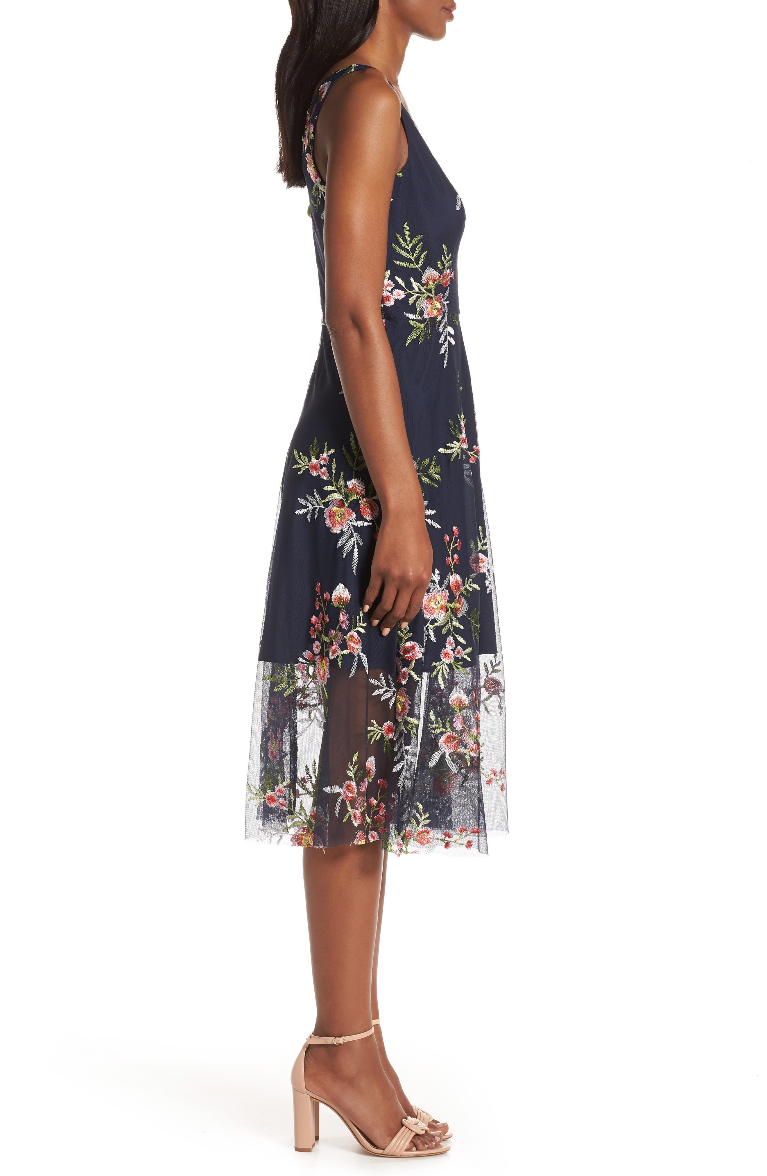 VINCE CAMUTO, Floral Embroidered Mesh Midi Dress, Alternate thumbnail 5, color, NAVY/ MULTI