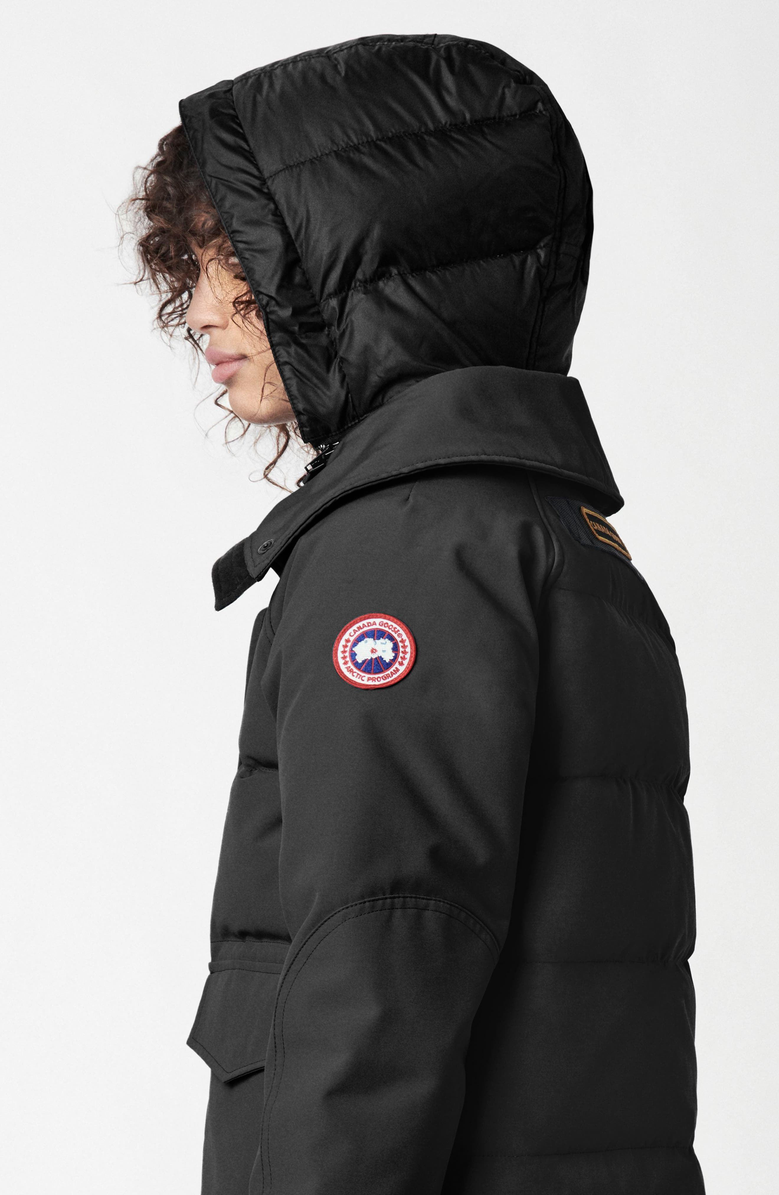 CANADA GOOSE, Deep Cove Arctic Tech Water Resistant 625 Fill Power Down Bomber Jacket, Alternate thumbnail 6, color, BLACK