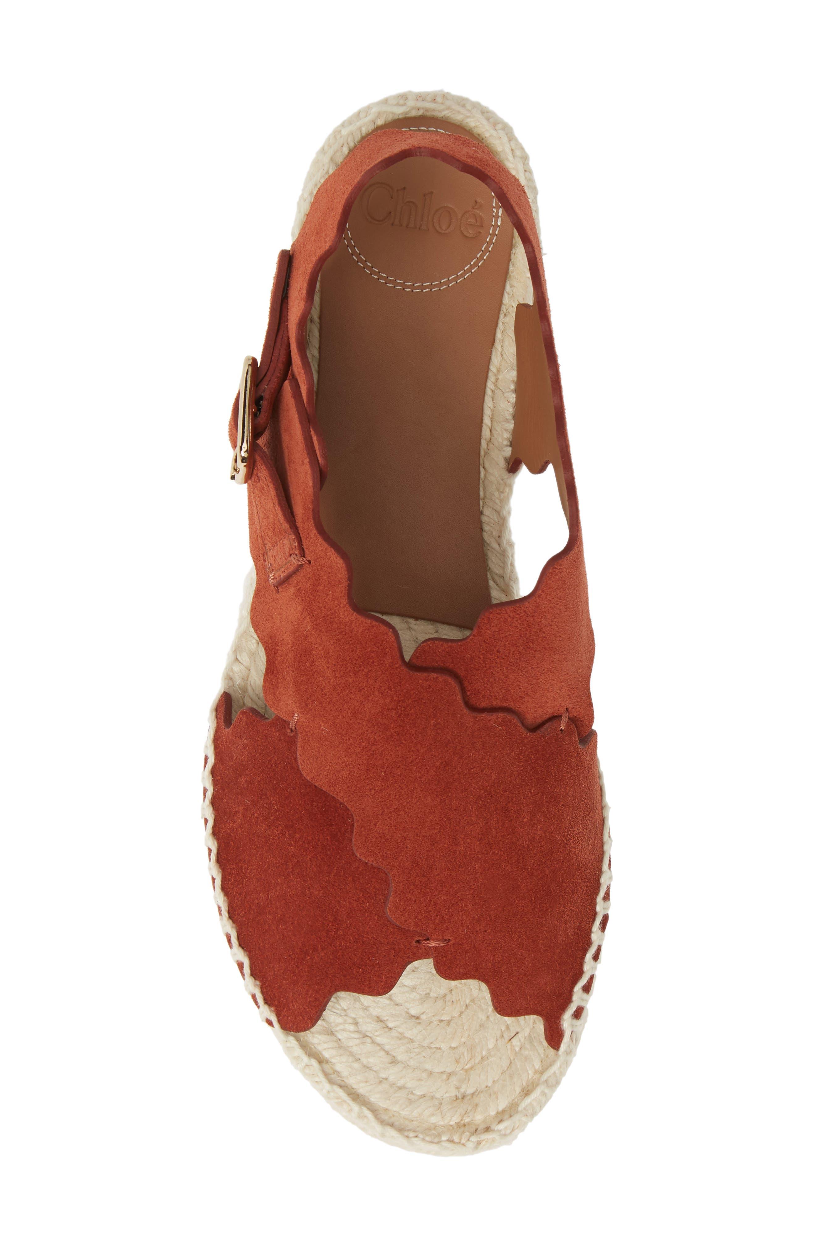 CHLOÉ, Lauren Scalloped Flatform Sandal, Alternate thumbnail 5, color, EARTHY RED