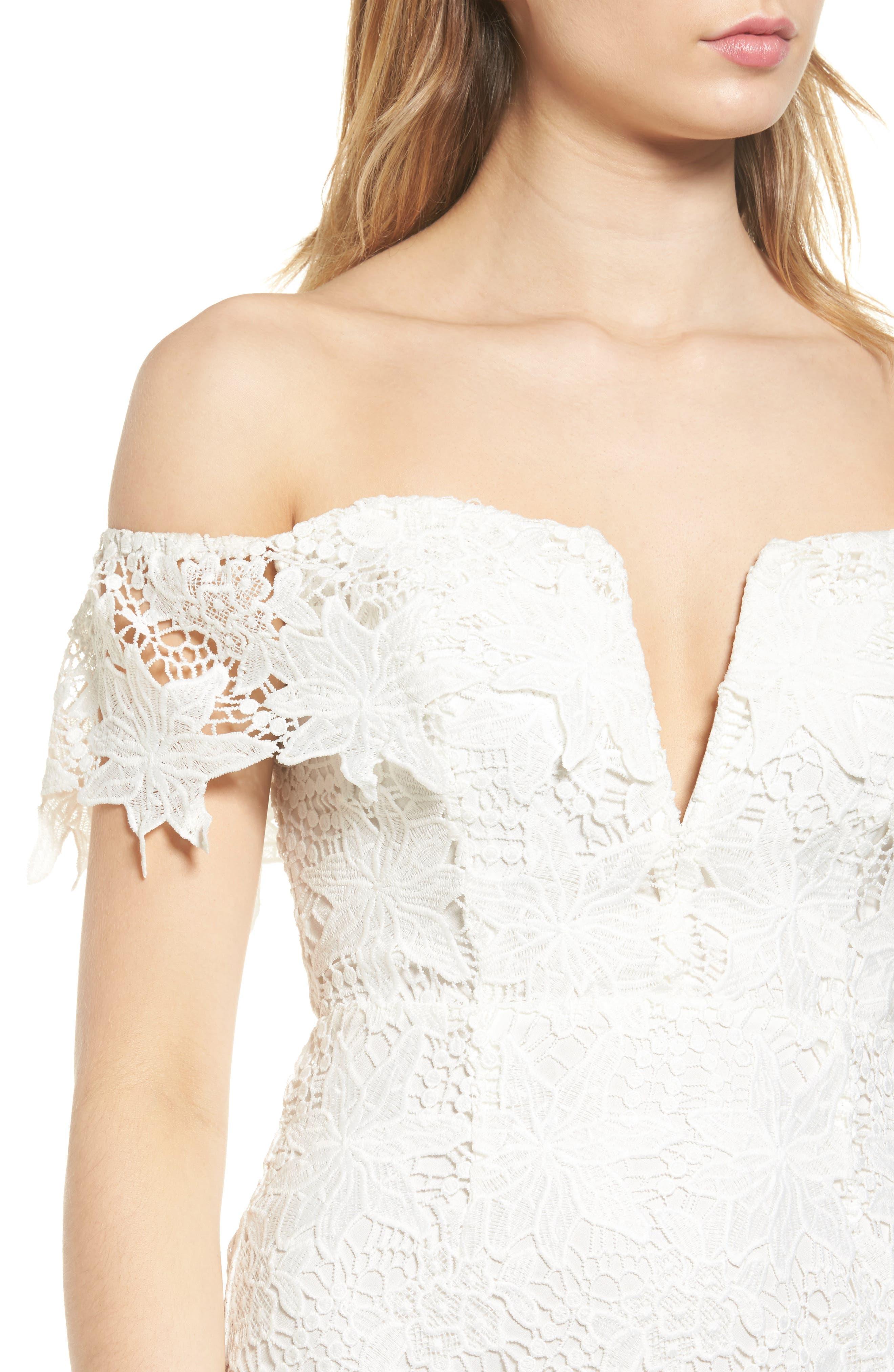 ASTR THE LABEL, Daniella Lace Body-Con Dress, Alternate thumbnail 4, color, 100