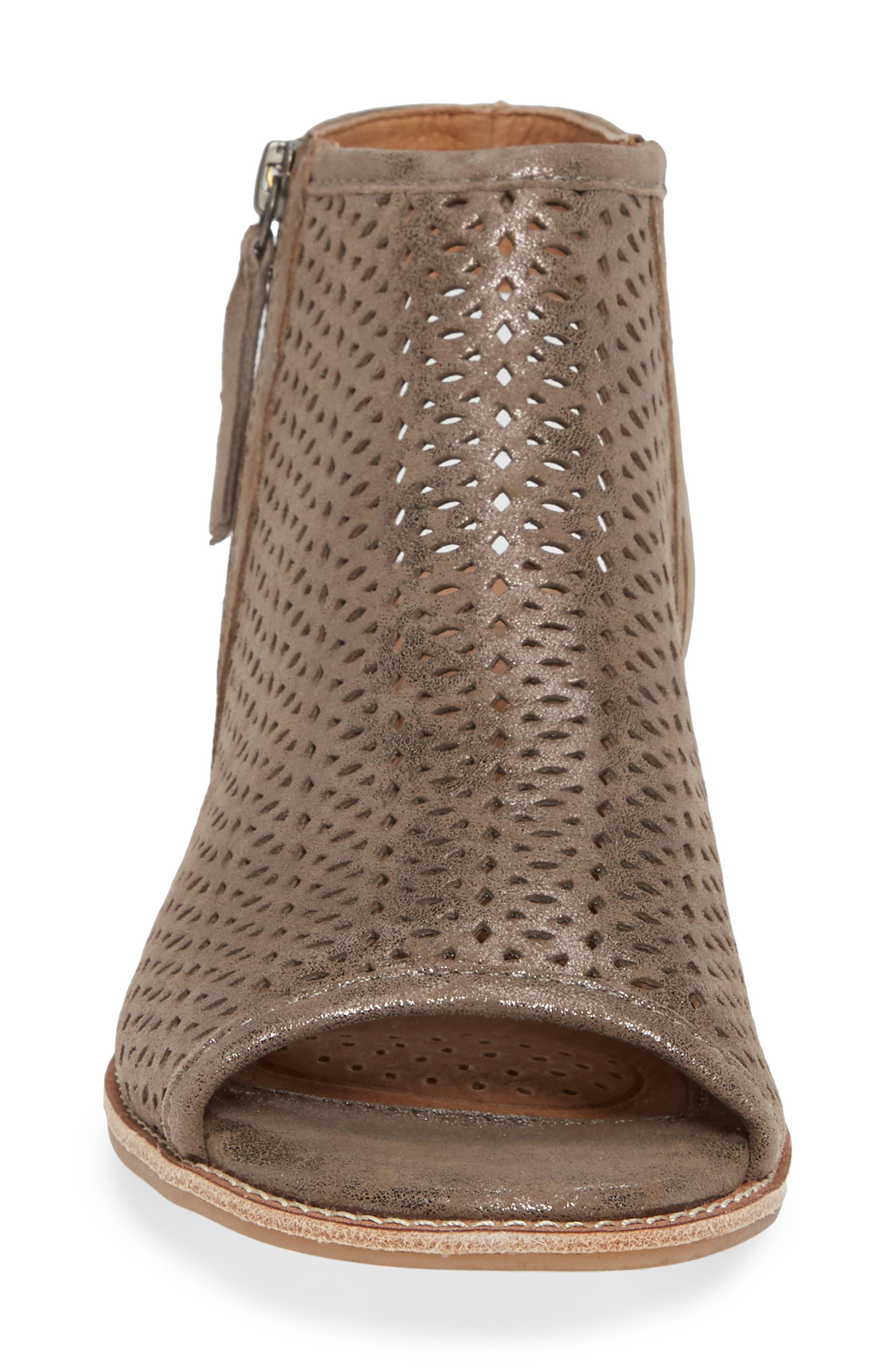 SÖFFT, Natesa Perforated Sandal, Alternate thumbnail 4, color, SMOKE SUEDE