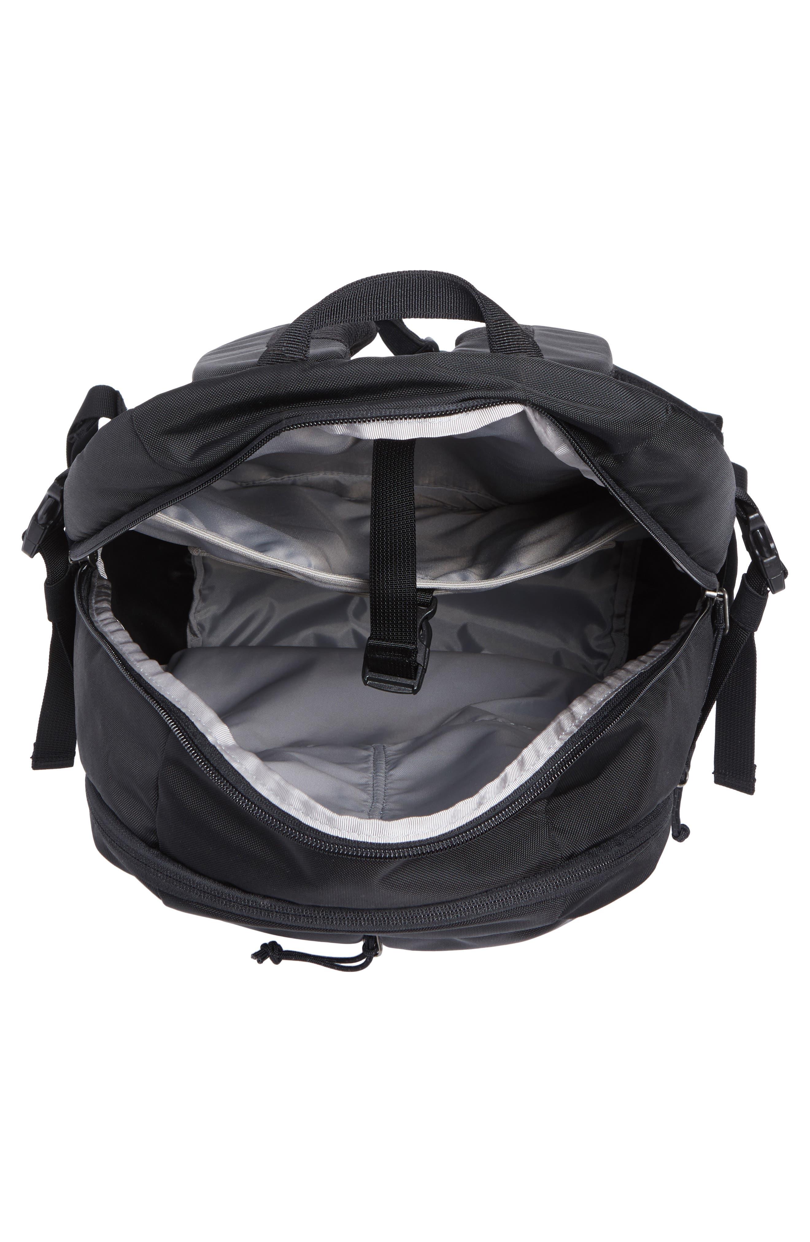 PATAGONIA, Refugio 26L Backpack, Alternate thumbnail 5, color, BLACK