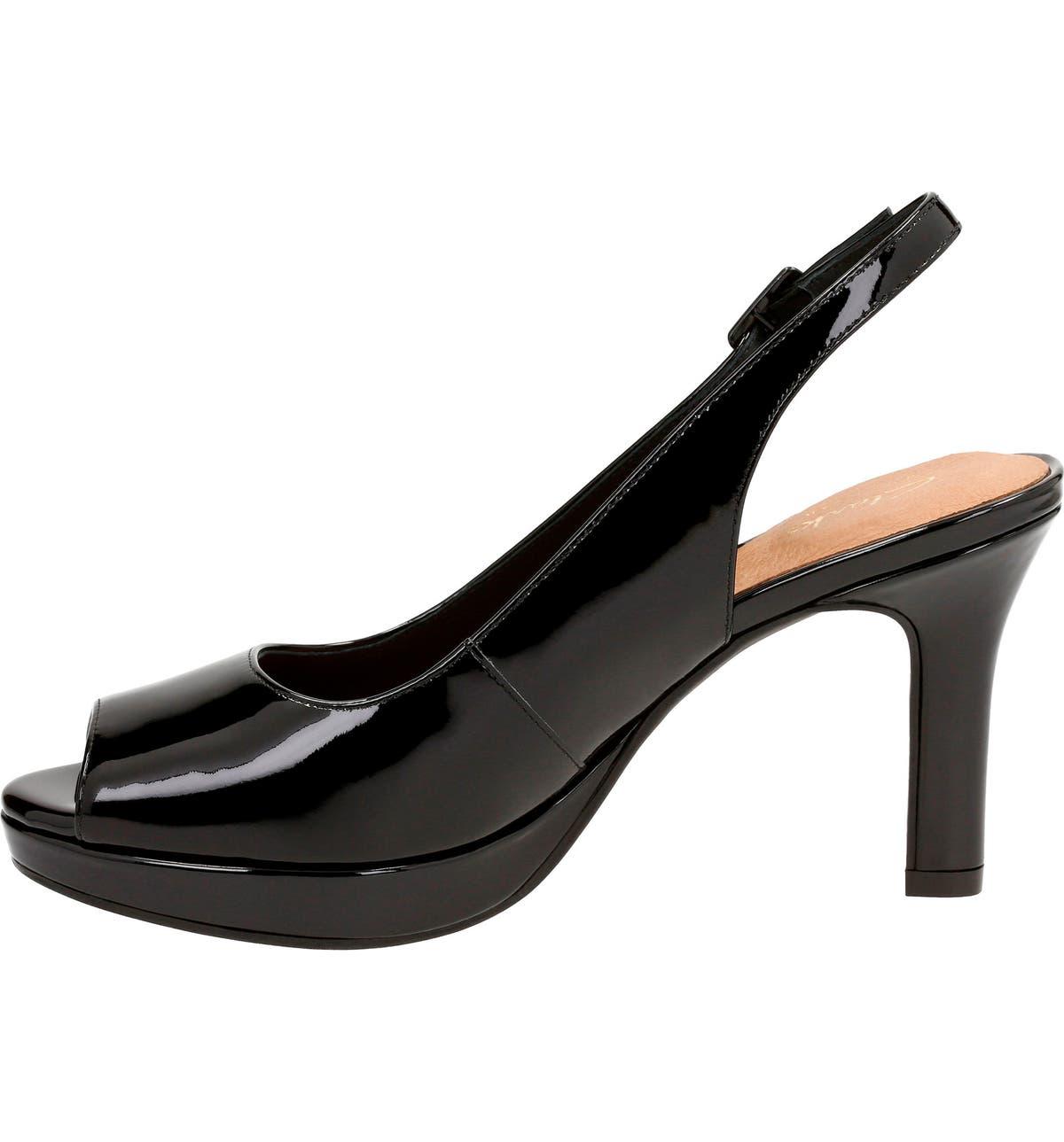 2ce469e80b9 Clarks® Mayra Blossom Sandal (Women)