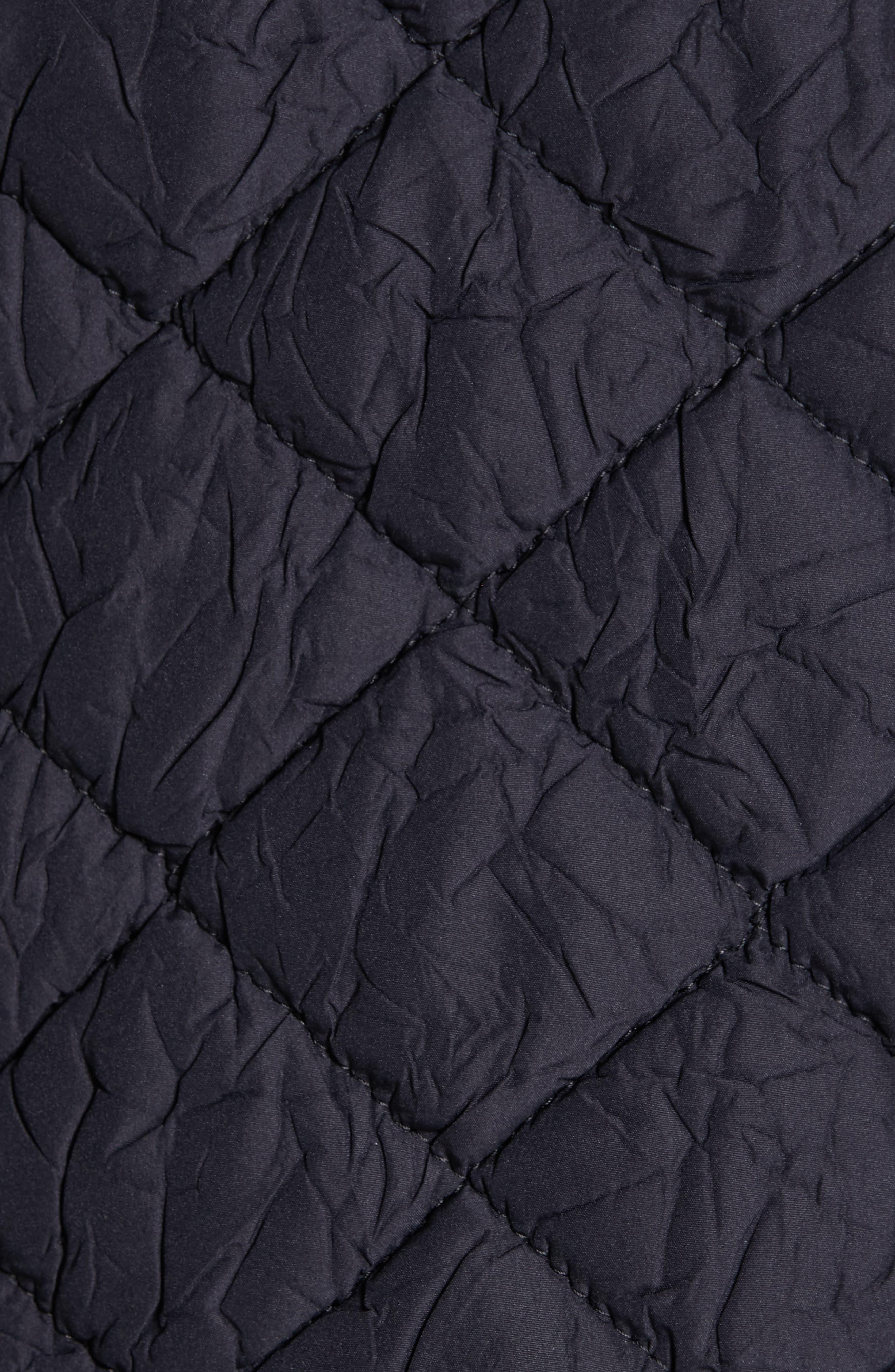 TRICOT COMME DES GARÇONS, Quilted Coat with Faux Fur Trim, Alternate thumbnail 7, color, NAVY X BLACK