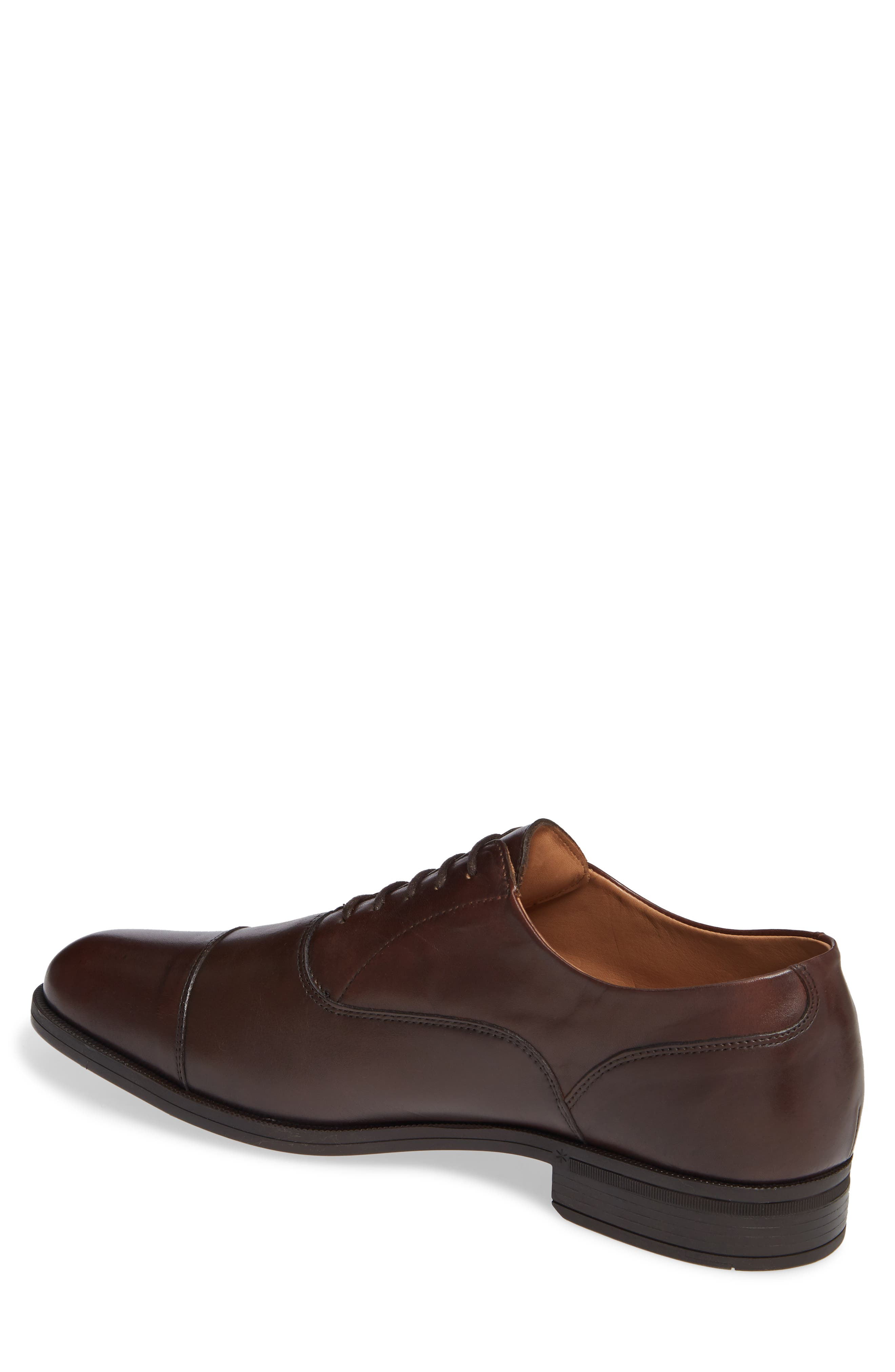 VINCE CAMUTO, Iven Cap Toe Oxford, Alternate thumbnail 2, color, DARK BROWN LEATHER