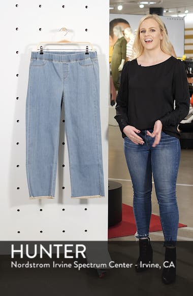Frayed Hem Pull-On Ankle Jeans, sales video thumbnail