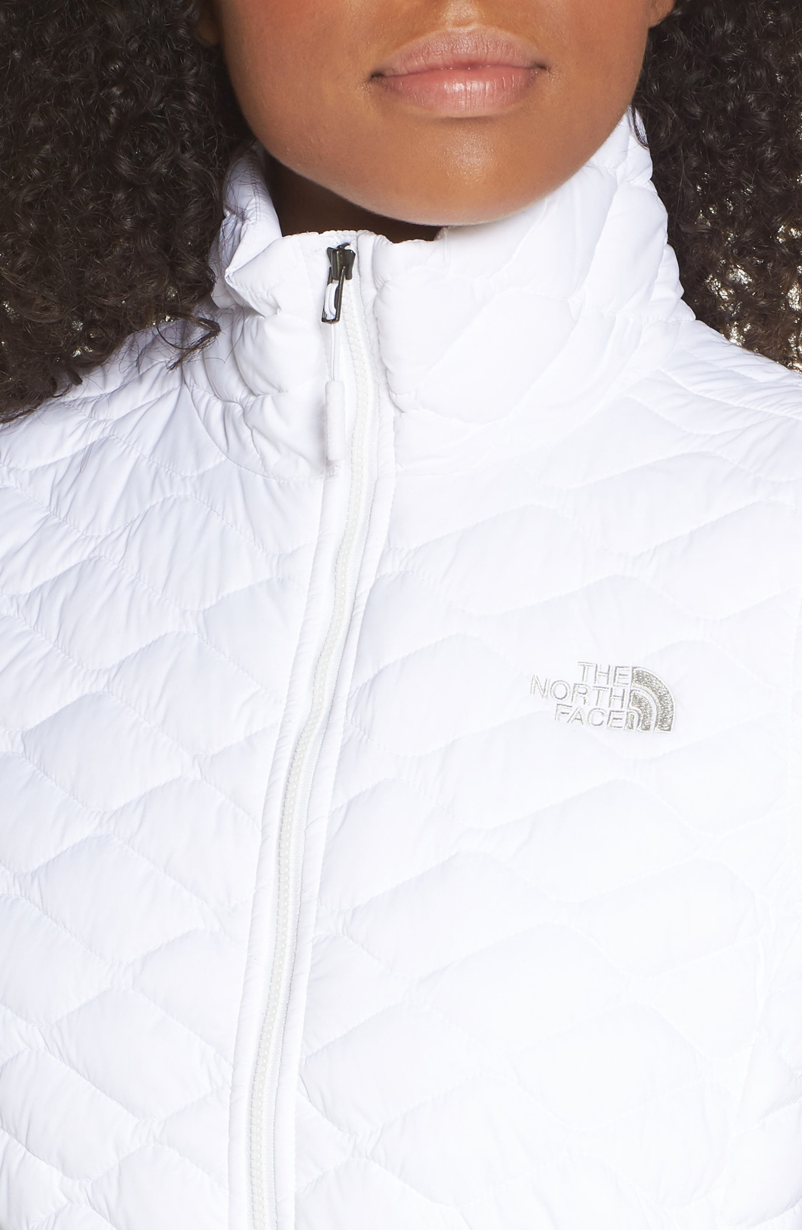 THE NORTH FACE, ThermoBall<sup>™</sup> PrimaLoft<sup>®</sup> Vest, Alternate thumbnail 5, color, TNF WHITE MATTE