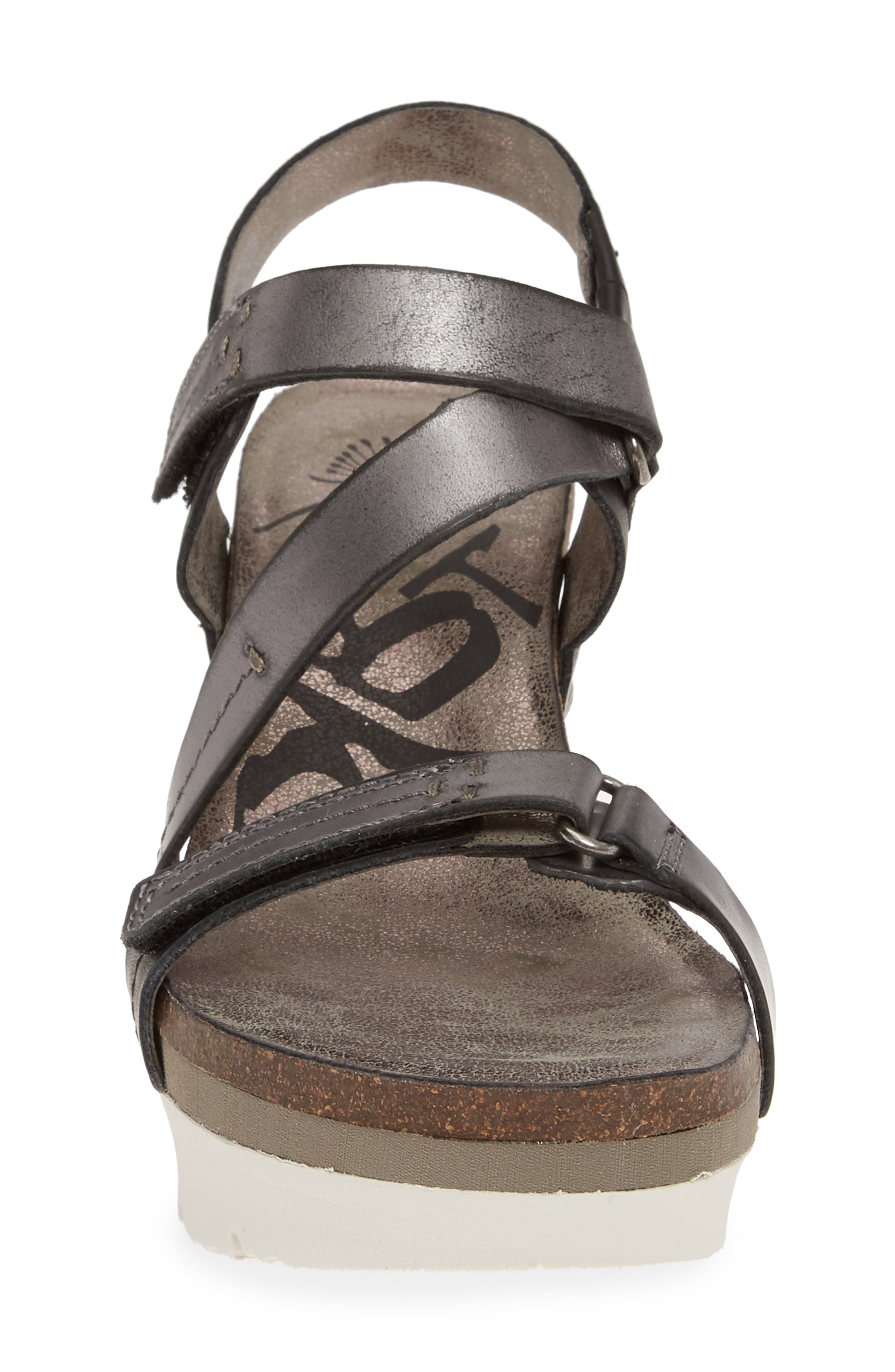 OTBT, Wavey Wedge Sandal, Alternate thumbnail 4, color, NEW BLACK LEATHER