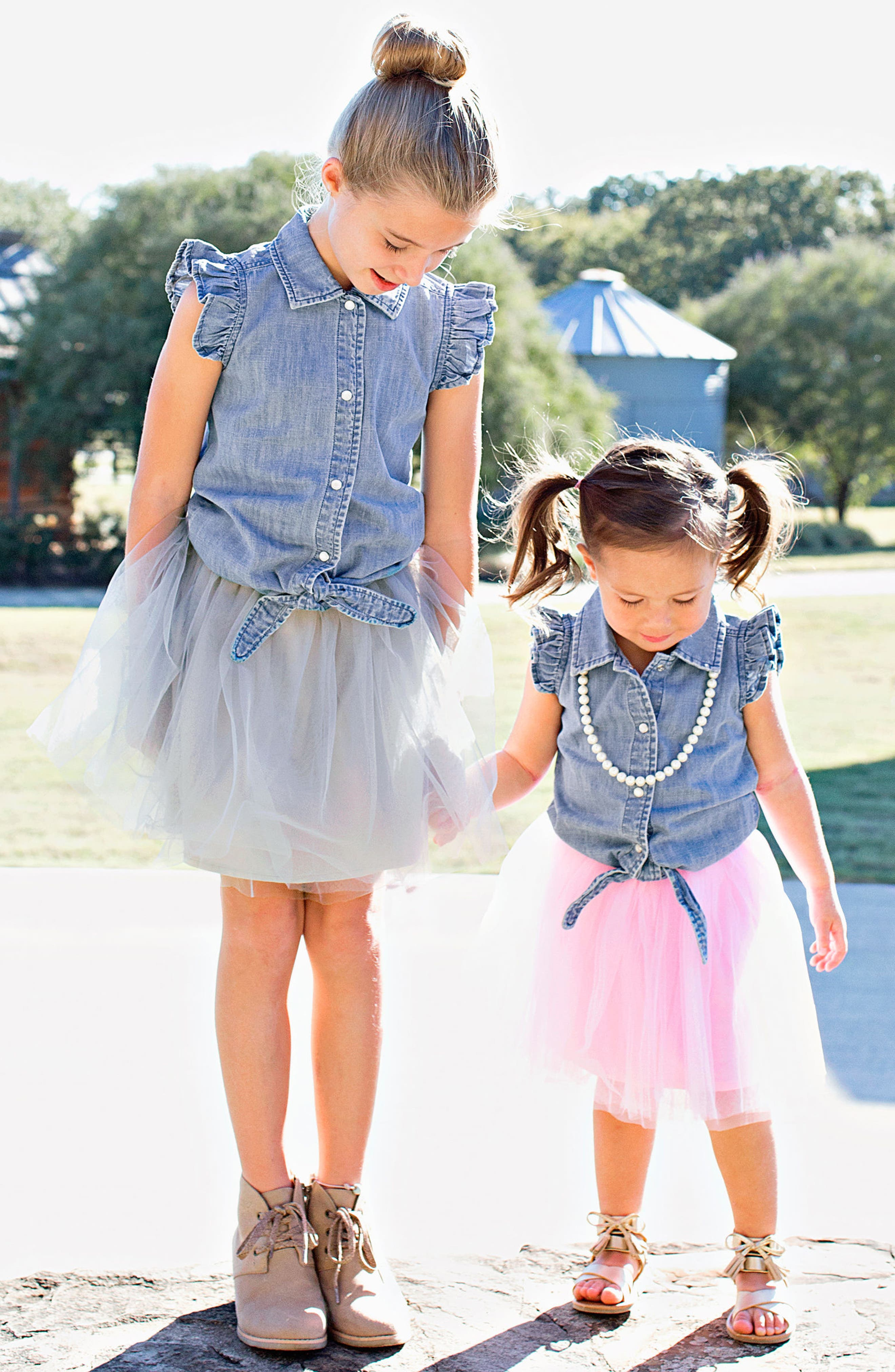 RUFFLEBUTTS, Chambray Tie Top & Tulle Skirt Set, Alternate thumbnail 3, color, GRAY