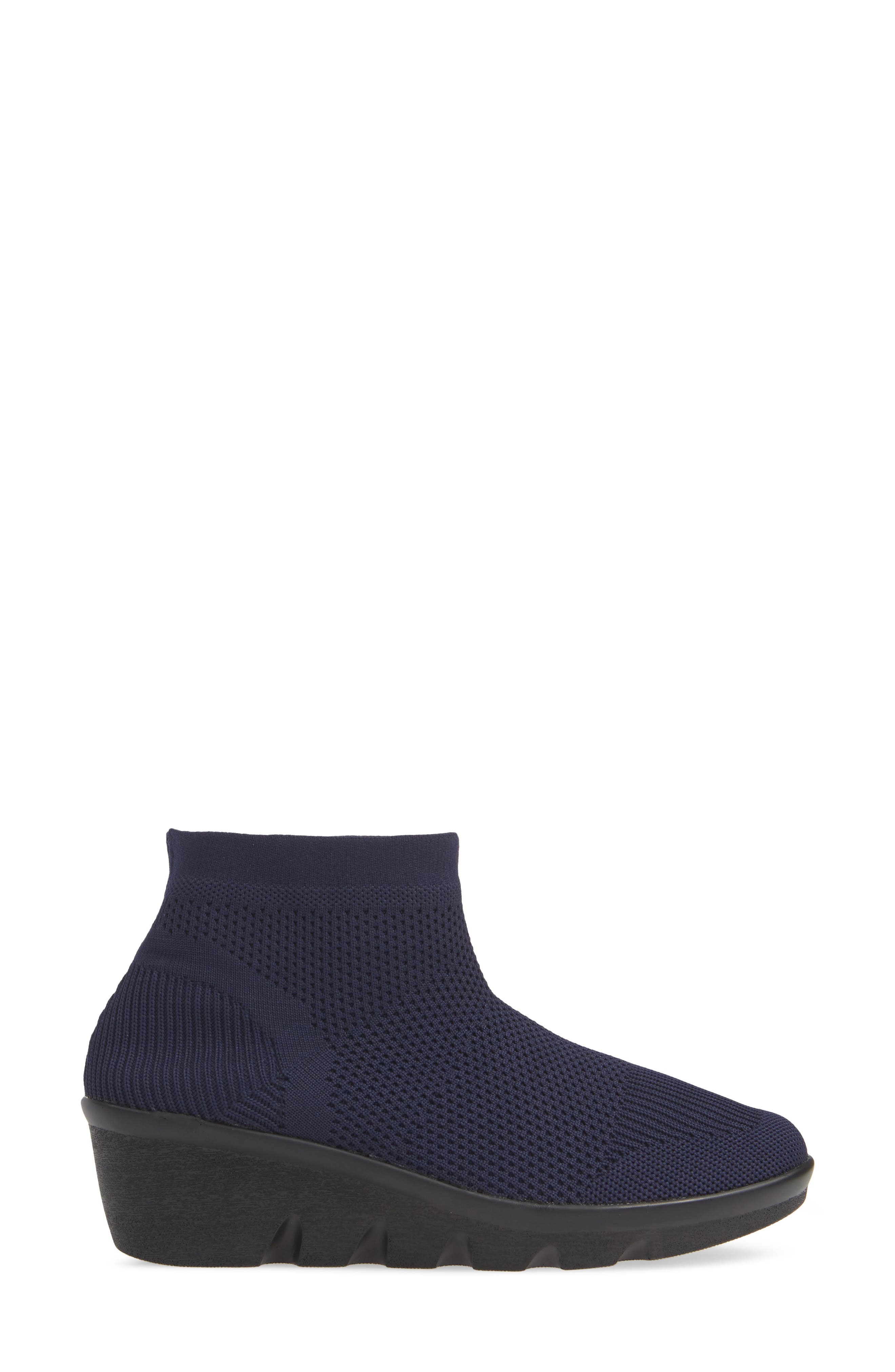 BERNIE MEV., Camryn Knit Bootie, Alternate thumbnail 3, color, NAVY FABRIC