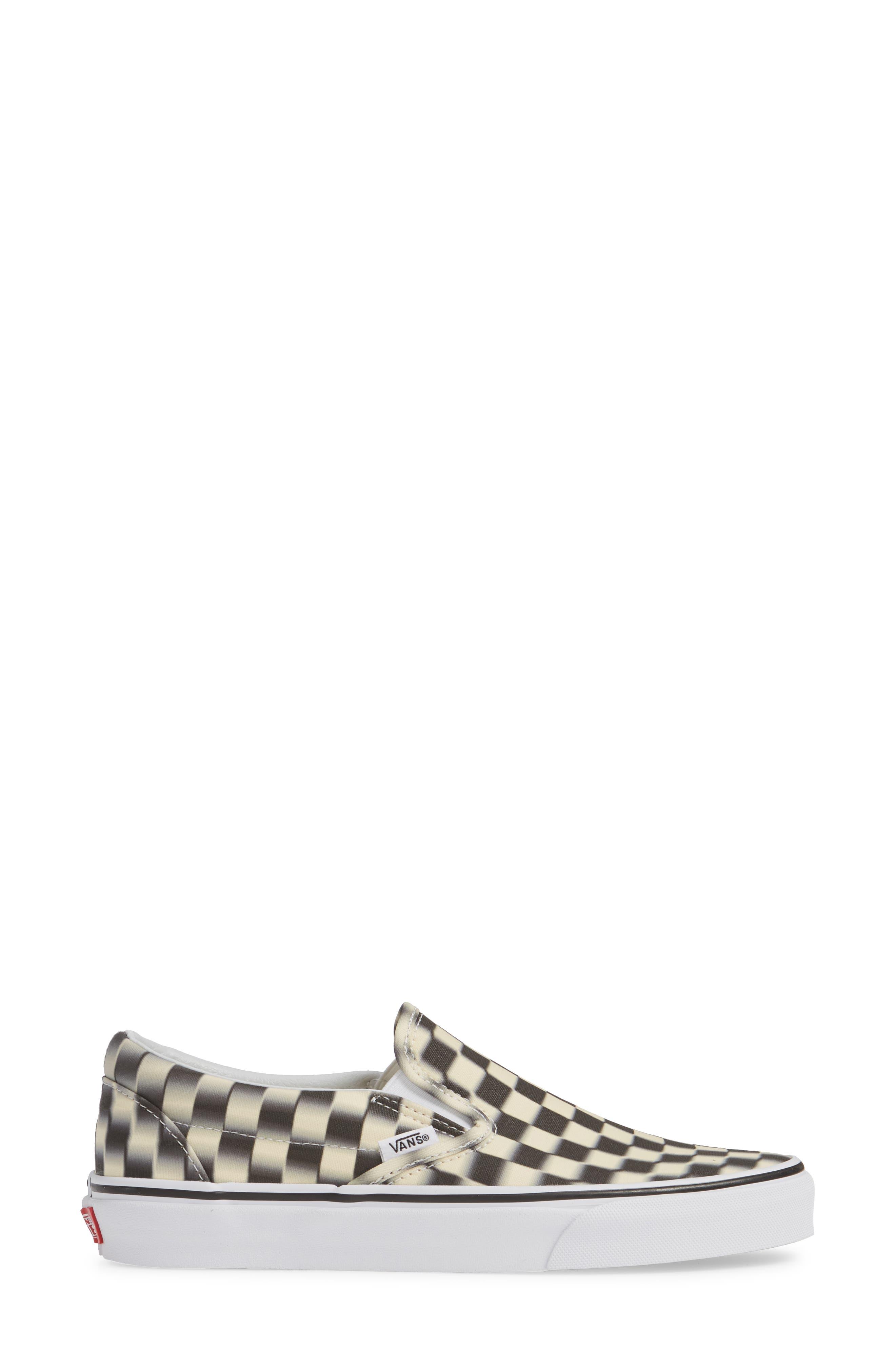 VANS, Classic Slip-On Sneaker, Alternate thumbnail 3, color, 011