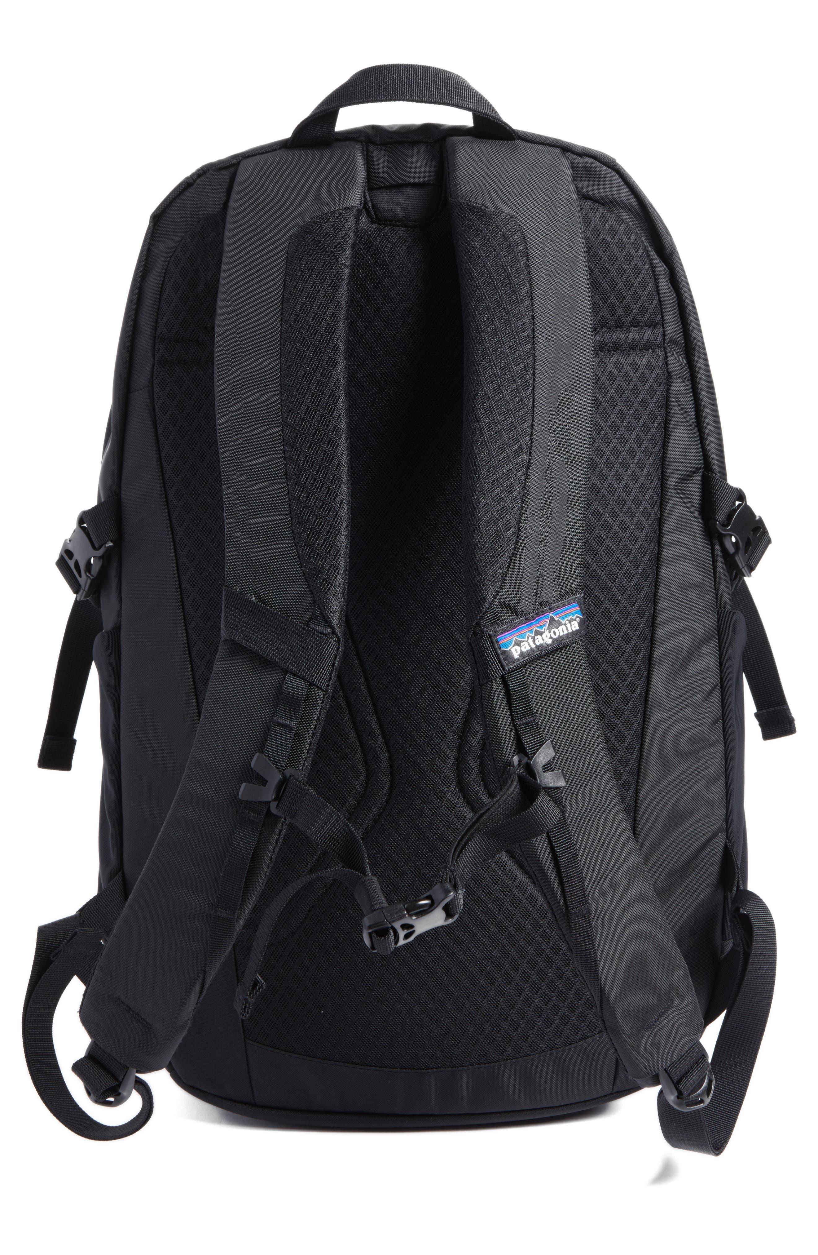 PATAGONIA, Refugio 26L Backpack, Alternate thumbnail 4, color, BLACK