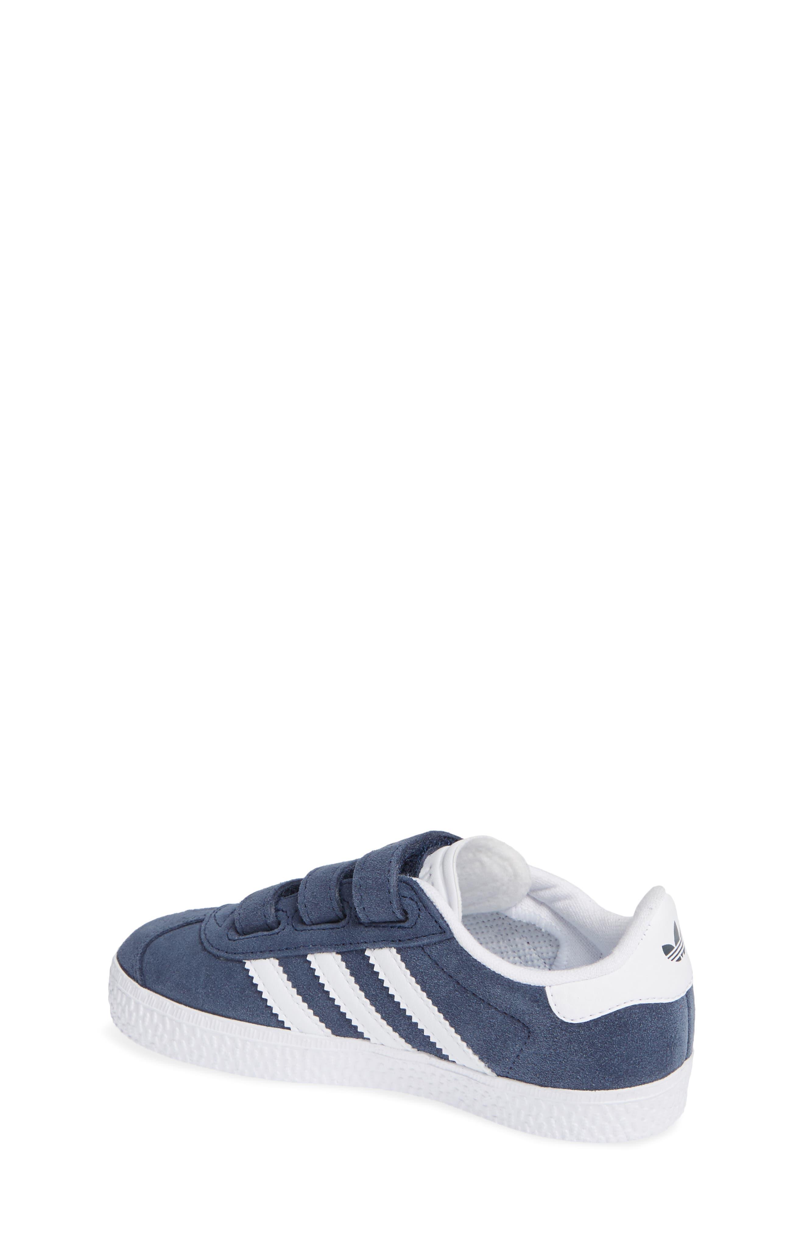 ADIDAS, Gazelle Sneaker, Alternate thumbnail 2, color, NAVY/ WHITE