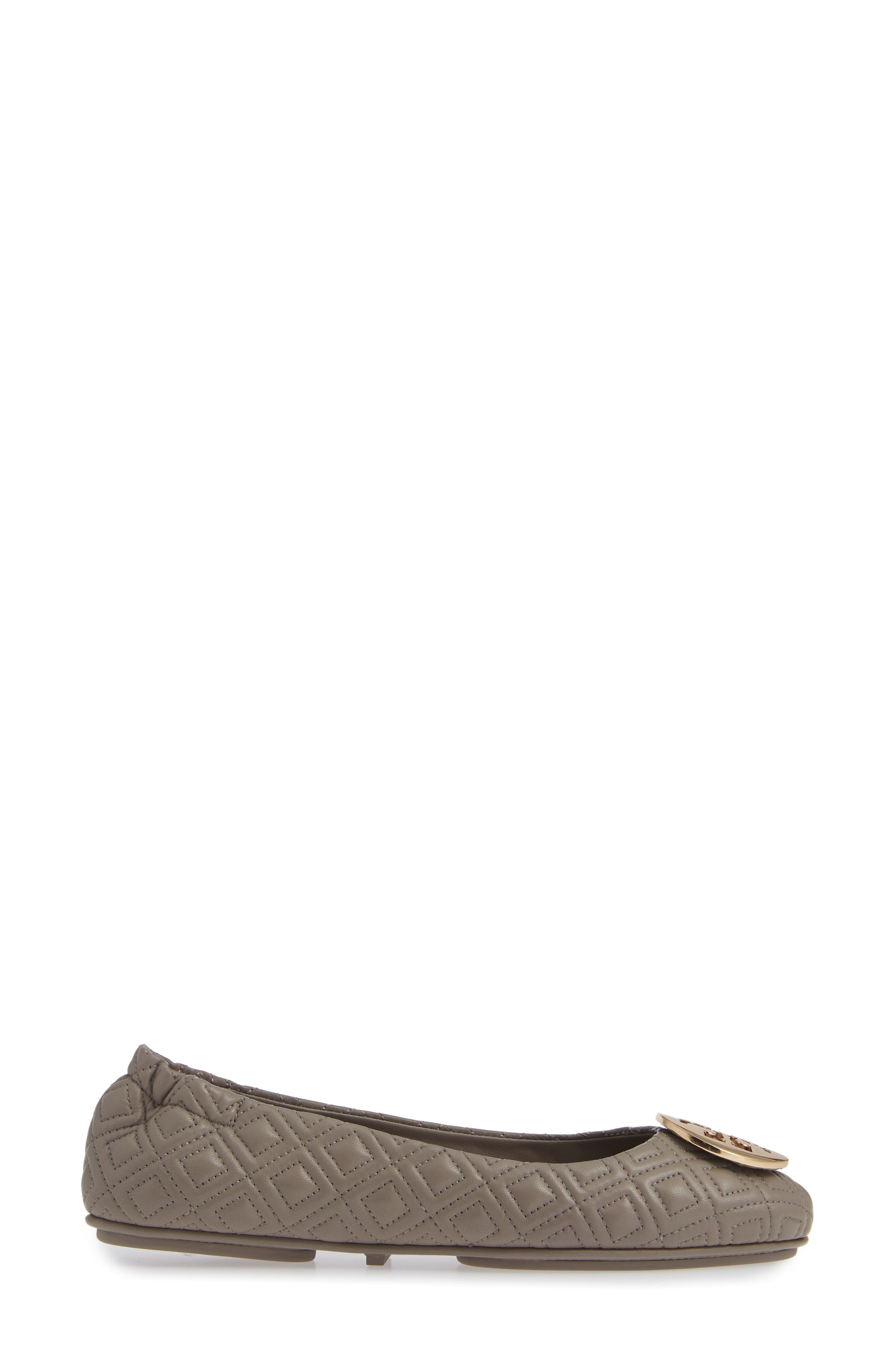 TORY BURCH, Quilted Minnie Flat, Alternate thumbnail 3, color, DUST STORM/ GOLD