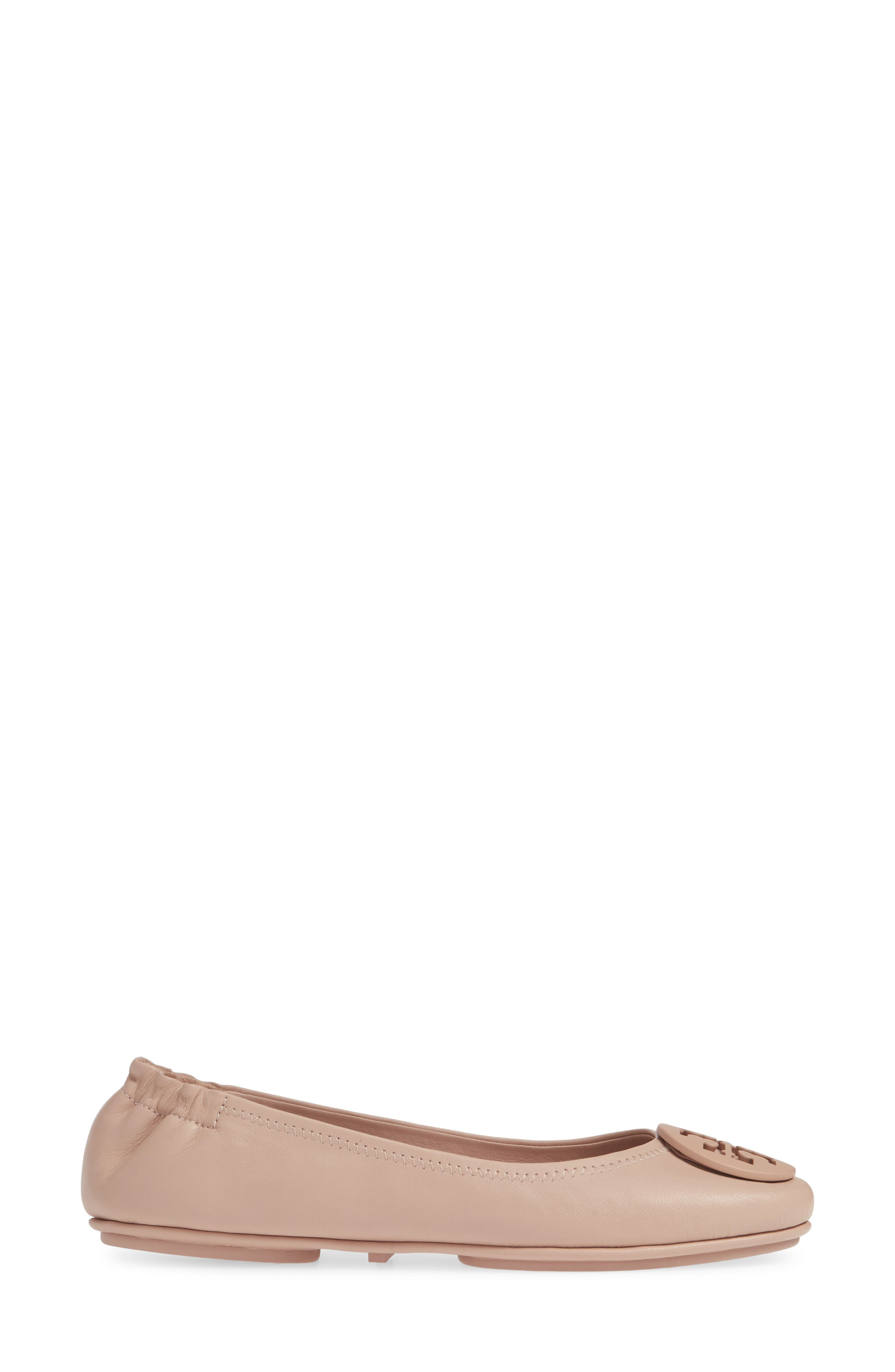 TORY BURCH, 'Minnie' Travel Ballet Flat, Alternate thumbnail 3, color, GOAN SAND/ SAND