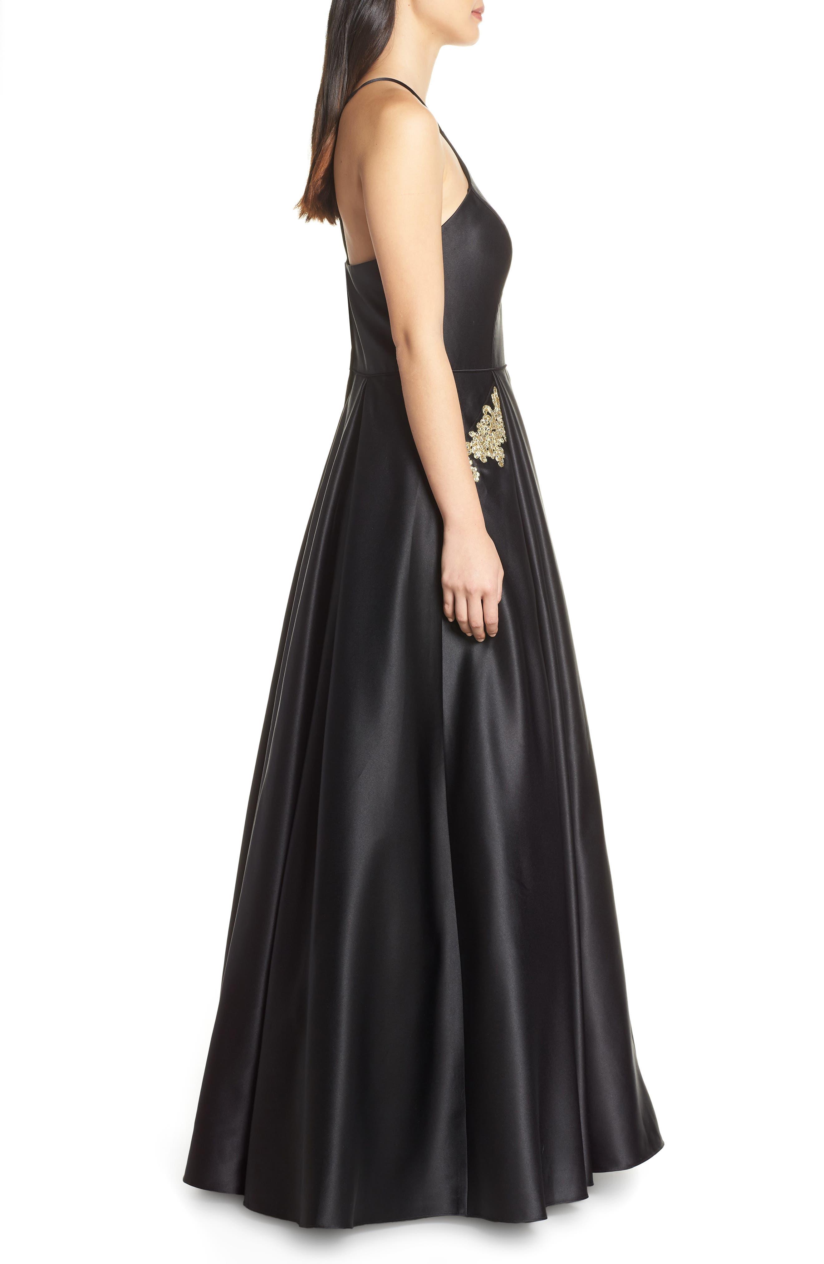 BLONDIE NITES, Halter Neck Embellished Pocket Satin Evening Dress, Alternate thumbnail 4, color, BLACK/ GOLD