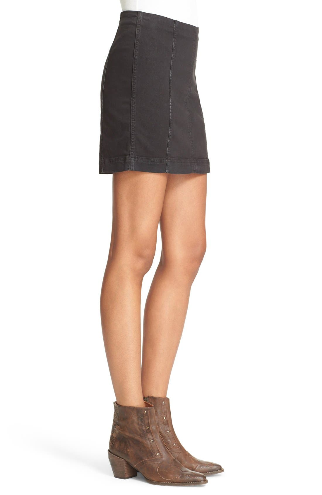 FREE PEOPLE, We the Free by Free People Modern Denim Miniskirt, Alternate thumbnail 7, color, 001