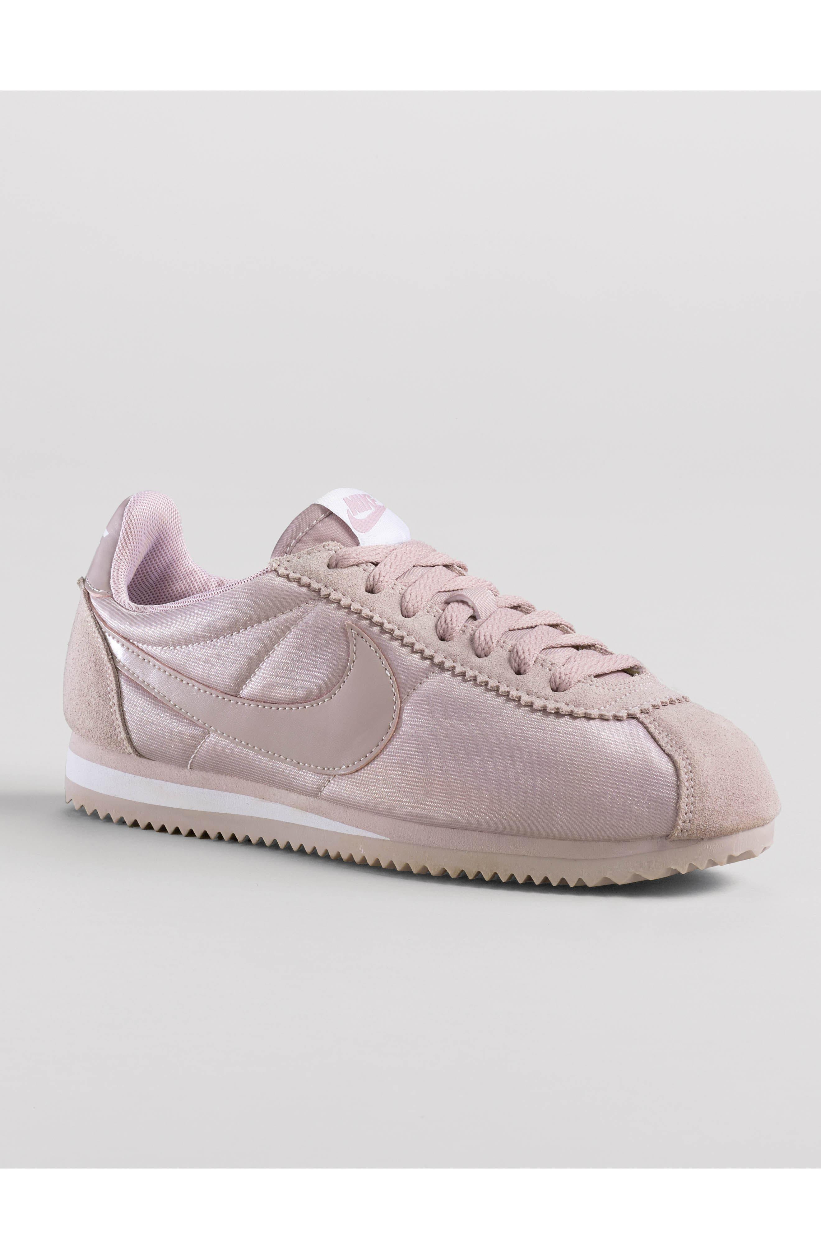 NIKE, Classic Cortez Sneaker, Alternate thumbnail 7, color, WHITE/ VARSITY RED