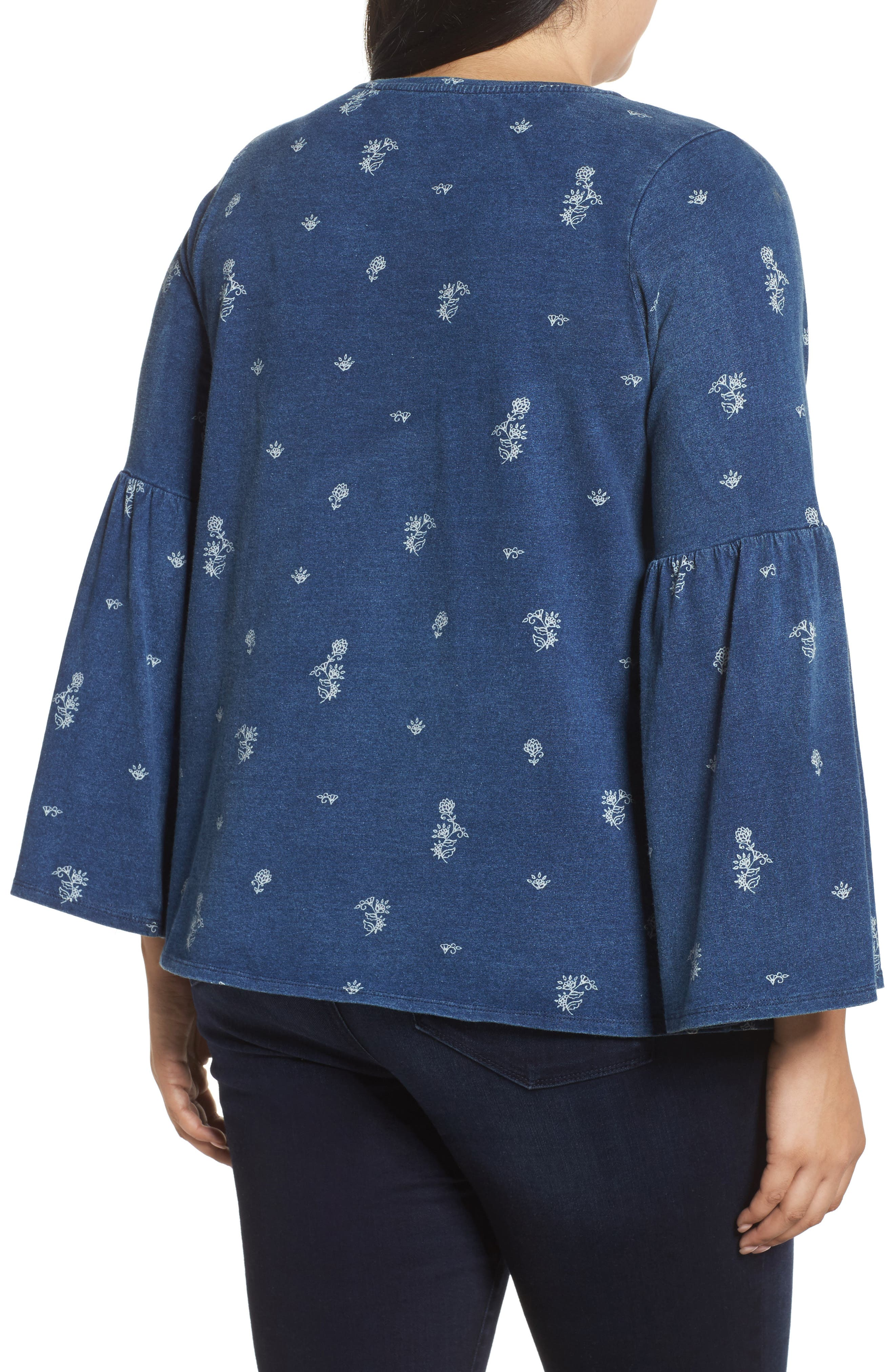 TWO BY VINCE CAMUTO, Ditzy Floral Print Bell Sleeve Top, Alternate thumbnail 2, color, TRUE INDIGO