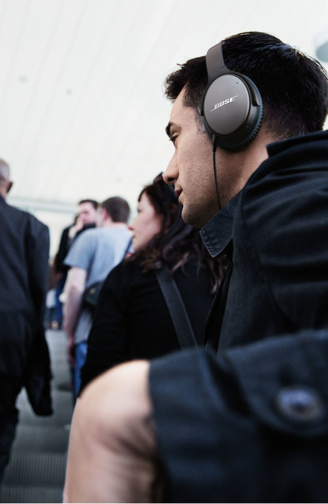 BOSE<SUP>®</SUP>, QuietComfort<sup>®</sup> 25 Acoustic Noise Cancelling<sup>®</sup> iOS Headphones, Alternate thumbnail 2, color, 001