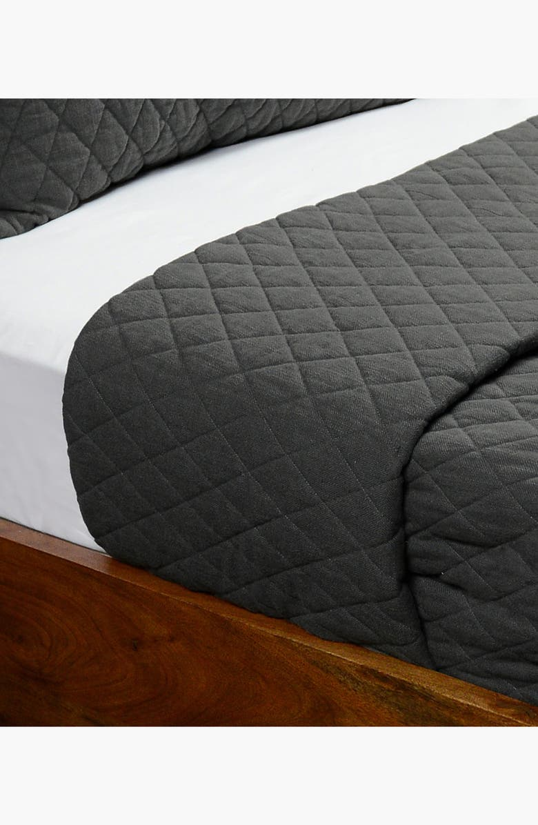 VILLA HOME COLLECTION Lana Quilt, Main, color, CHARCOAL