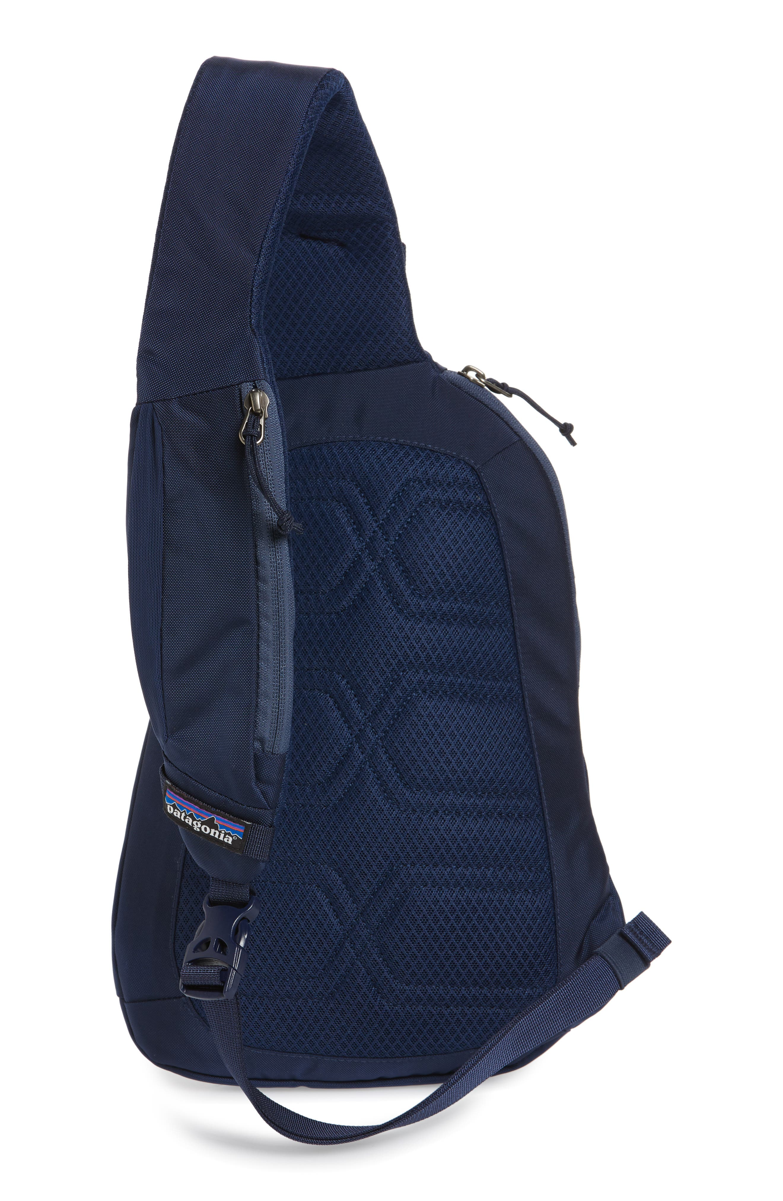 PATAGONIA, Atom 8L Sling Backpack, Alternate thumbnail 4, color, CLASSIC NAVY W/ NAVY