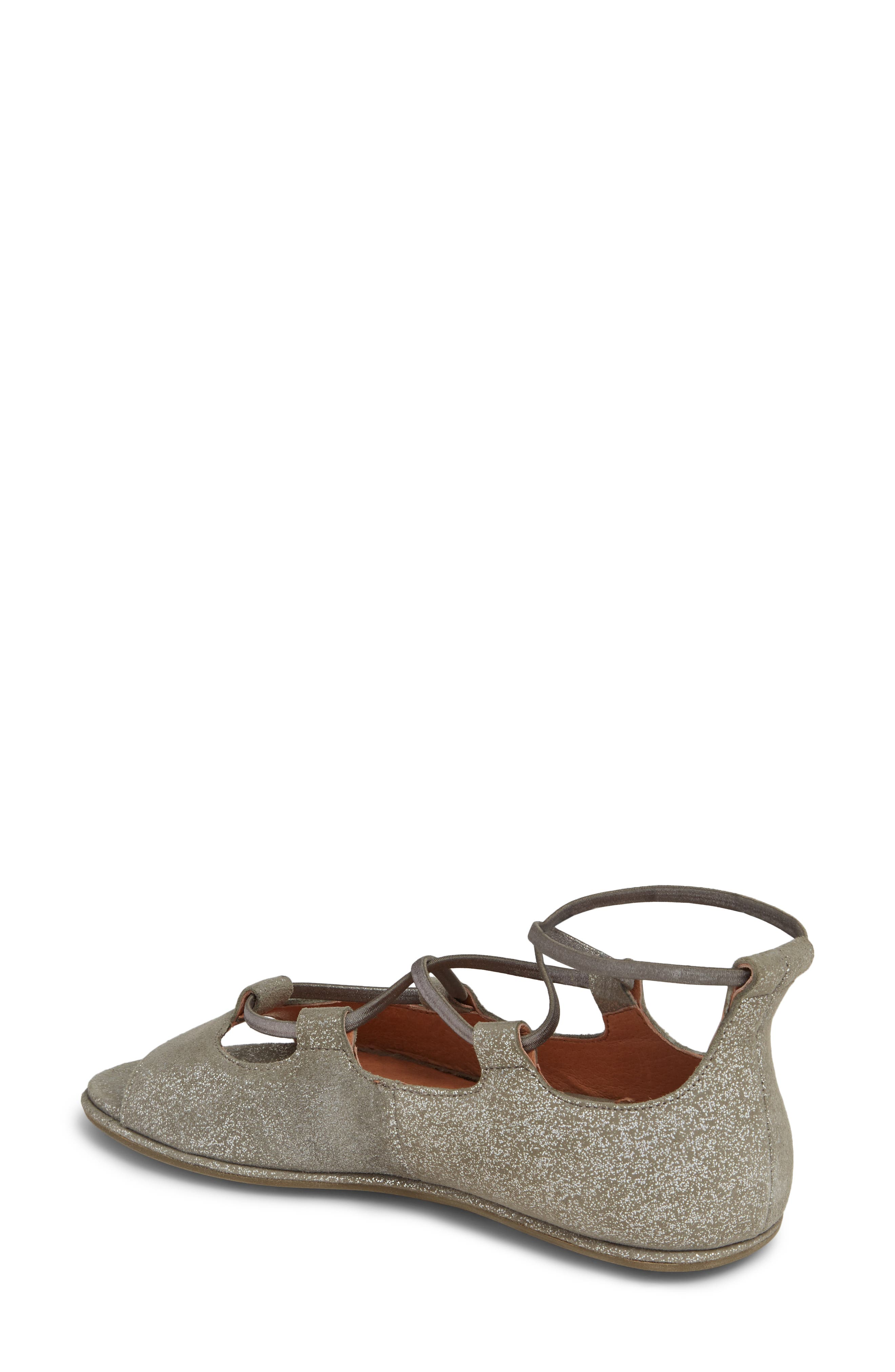 GENTLE SOULS BY KENNETH COLE, Lark Sandal, Alternate thumbnail 2, color, LIGHT PEWTER METALLIC LEATHER