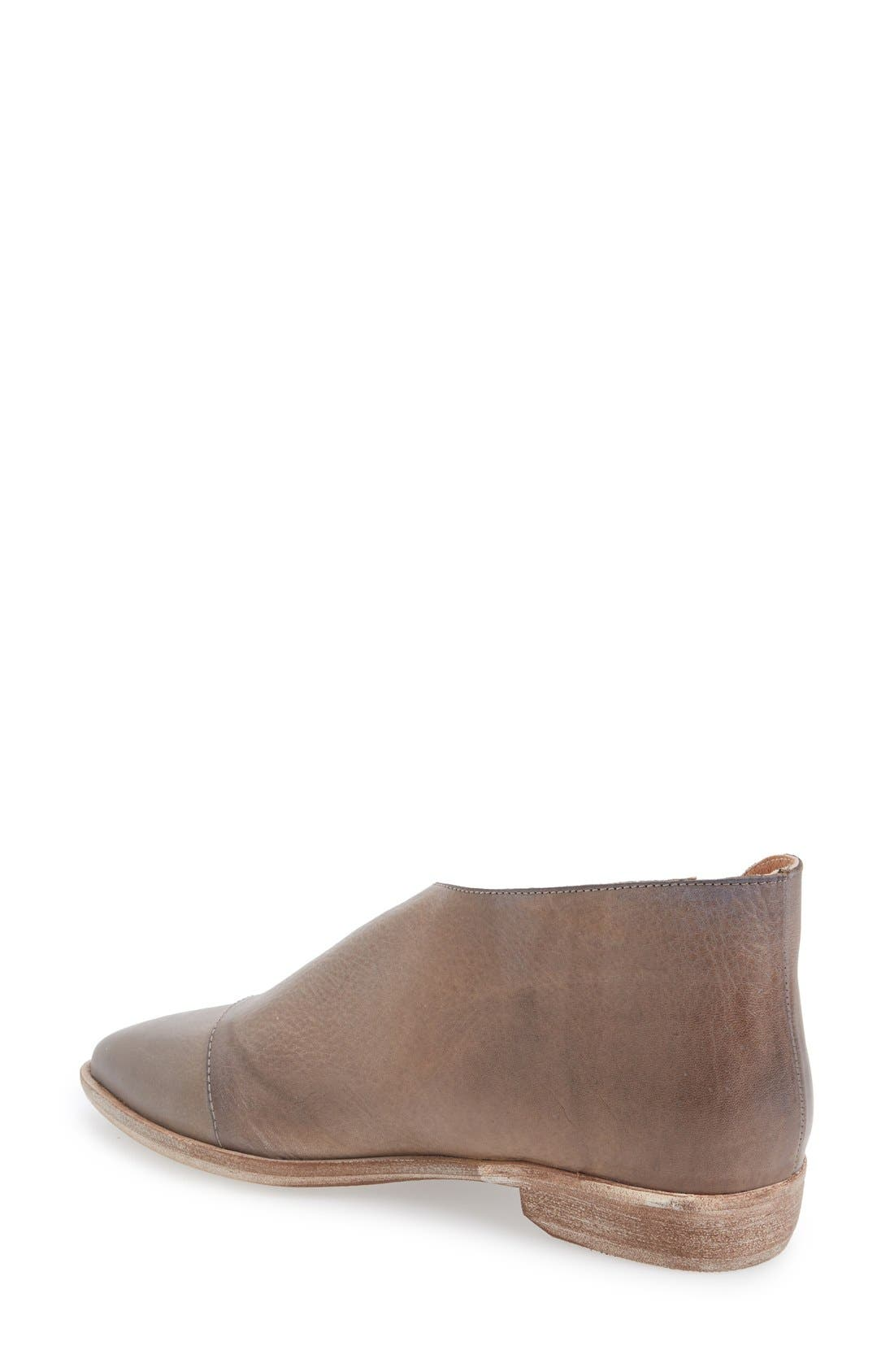 FREE PEOPLE, 'Royale' Pointy Toe Flat, Alternate thumbnail 4, color, GREY LEATHER