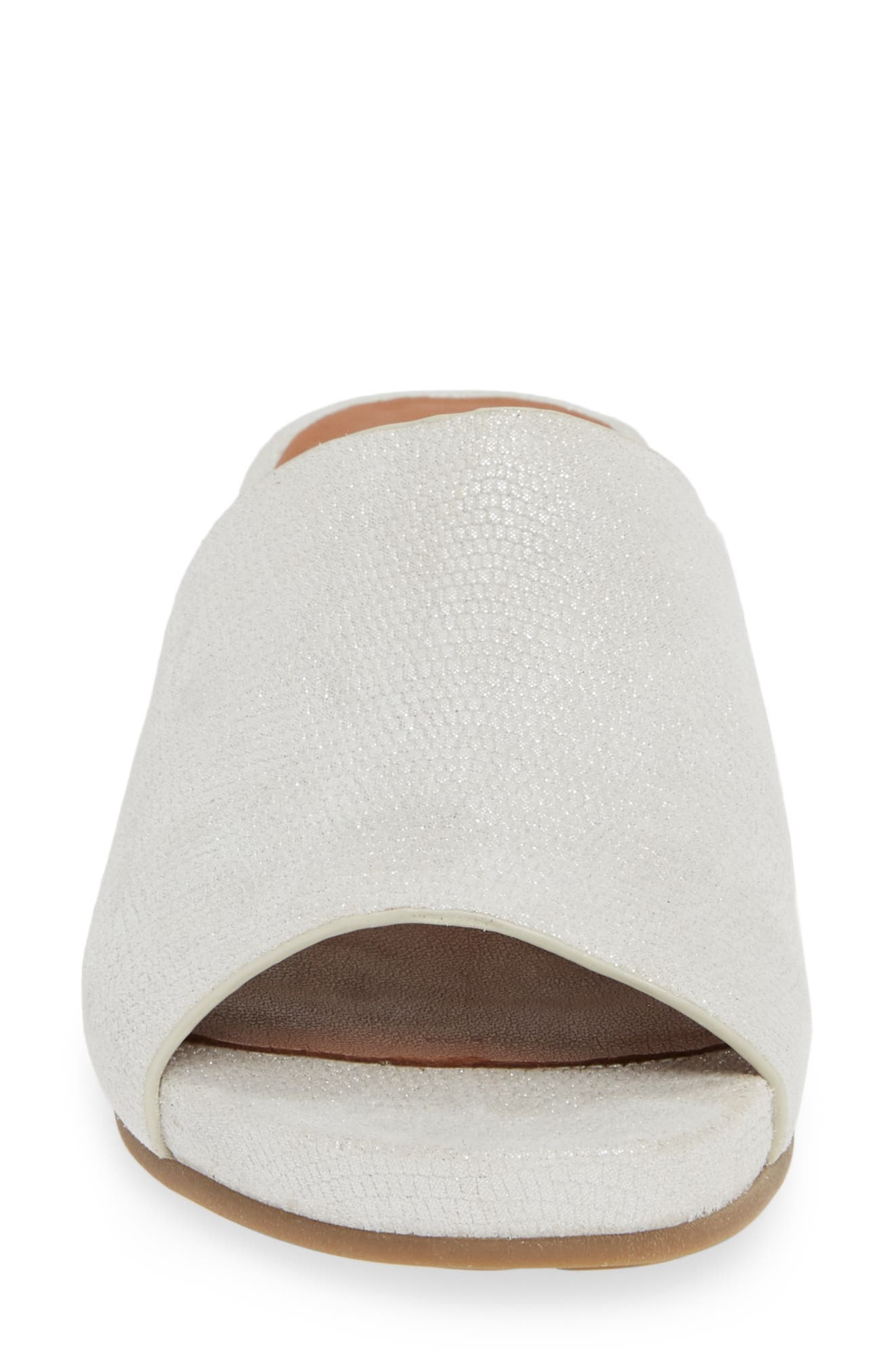 GENTLE SOULS BY KENNETH COLE, Gisele Wedge Slide Sandal, Alternate thumbnail 4, color, WHITE EMBOSSED LEATHER
