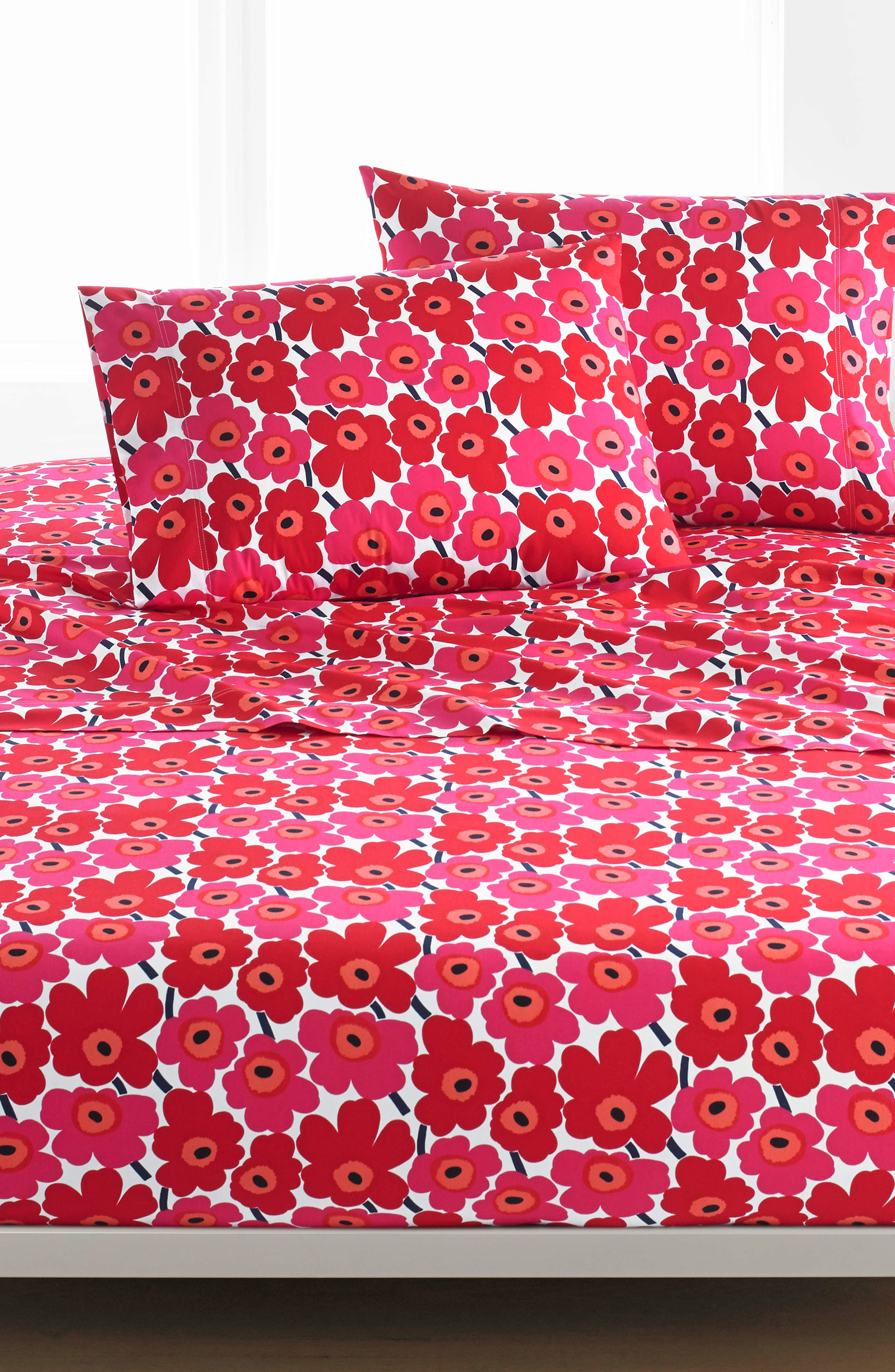 MARIMEKKO, Unikko 200 Thread Count Cotton Sheet Set, Main thumbnail 1, color, DARK RED