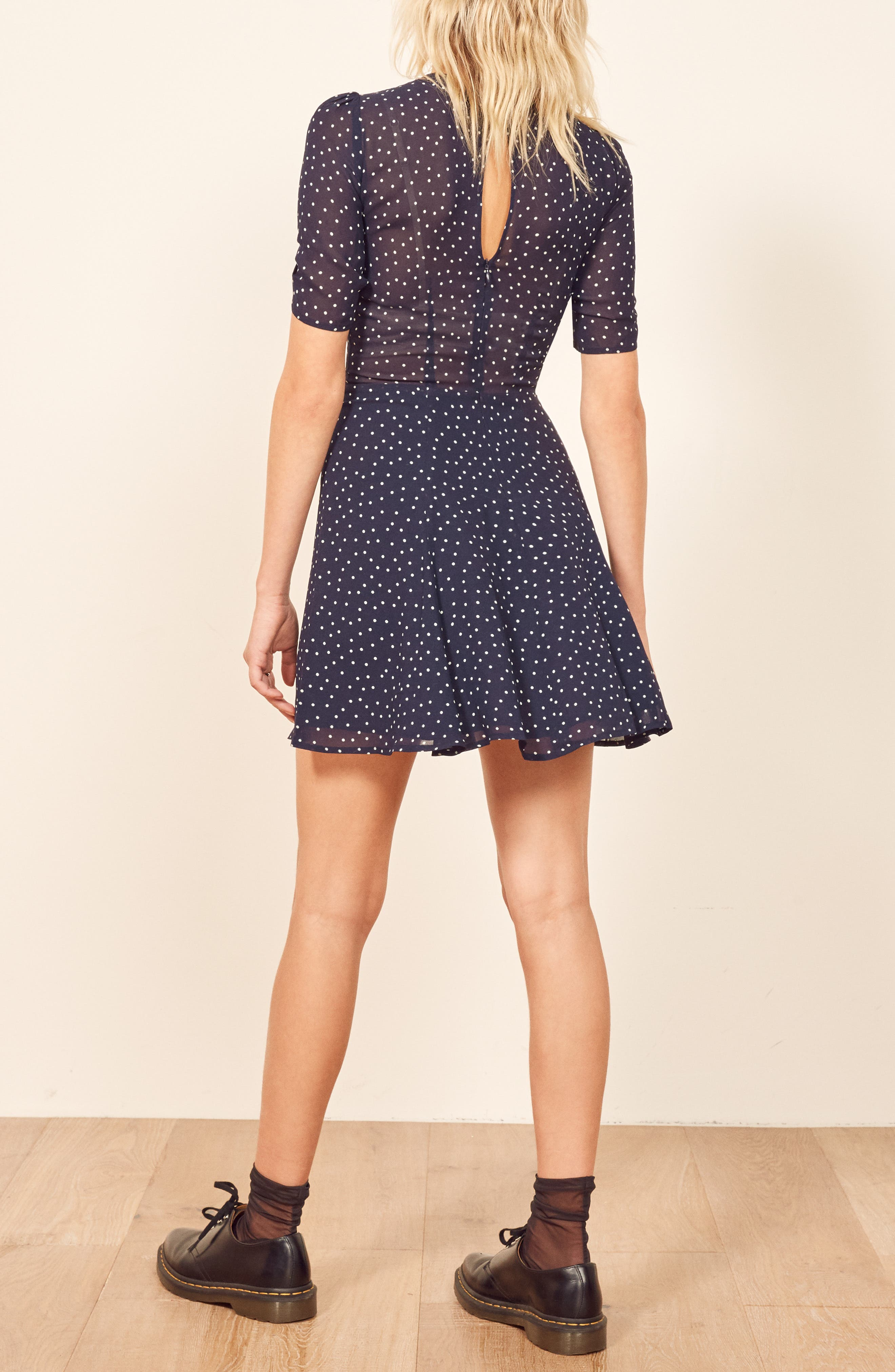 REFORMATION, Gracie Ruched Sleeve Minidress, Alternate thumbnail 4, color, DOTSIE