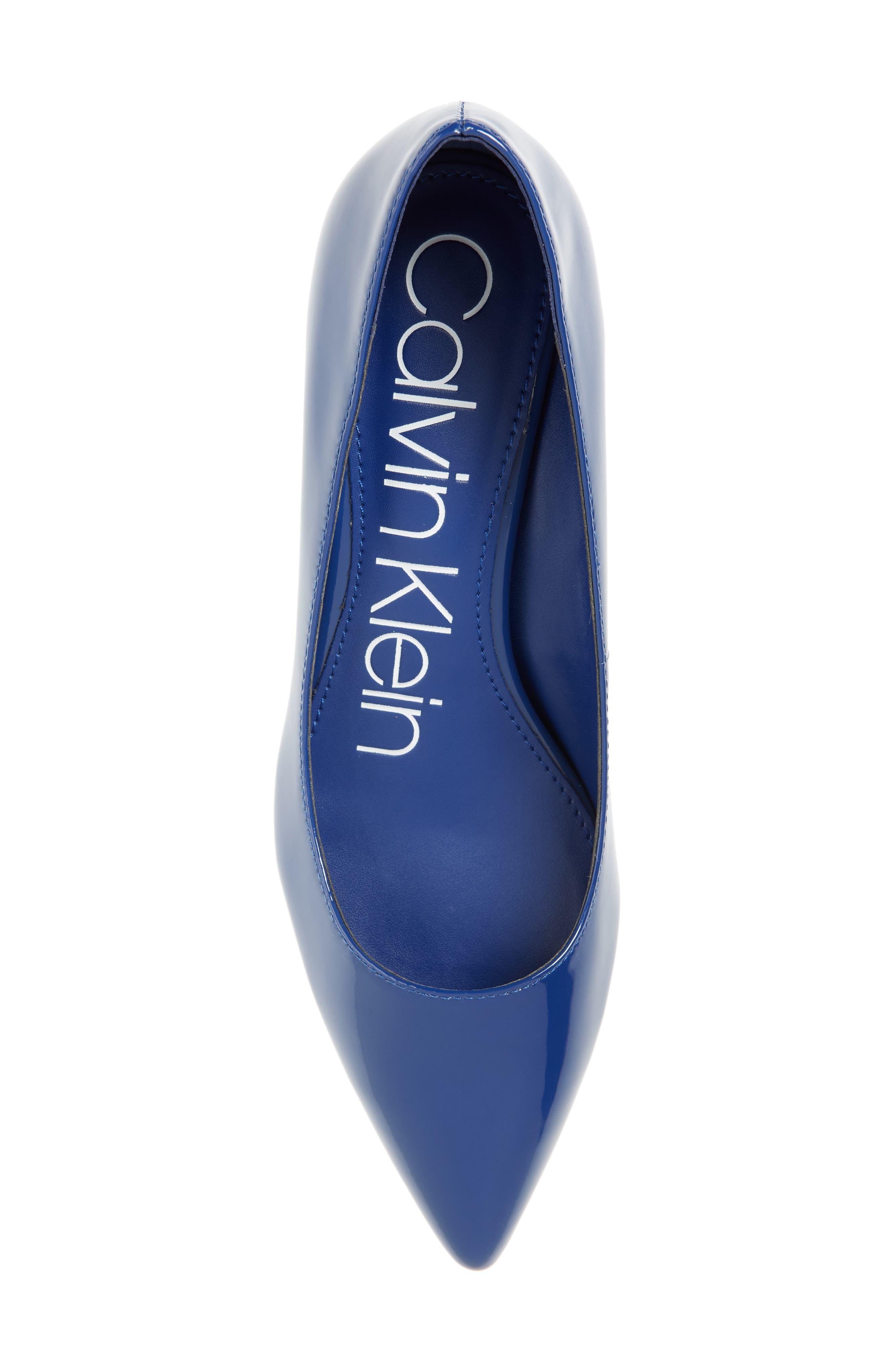 CALVIN KLEIN, Gabrianna Pump, Alternate thumbnail 5, color, ROYAL BLUE PATENT LEATHER