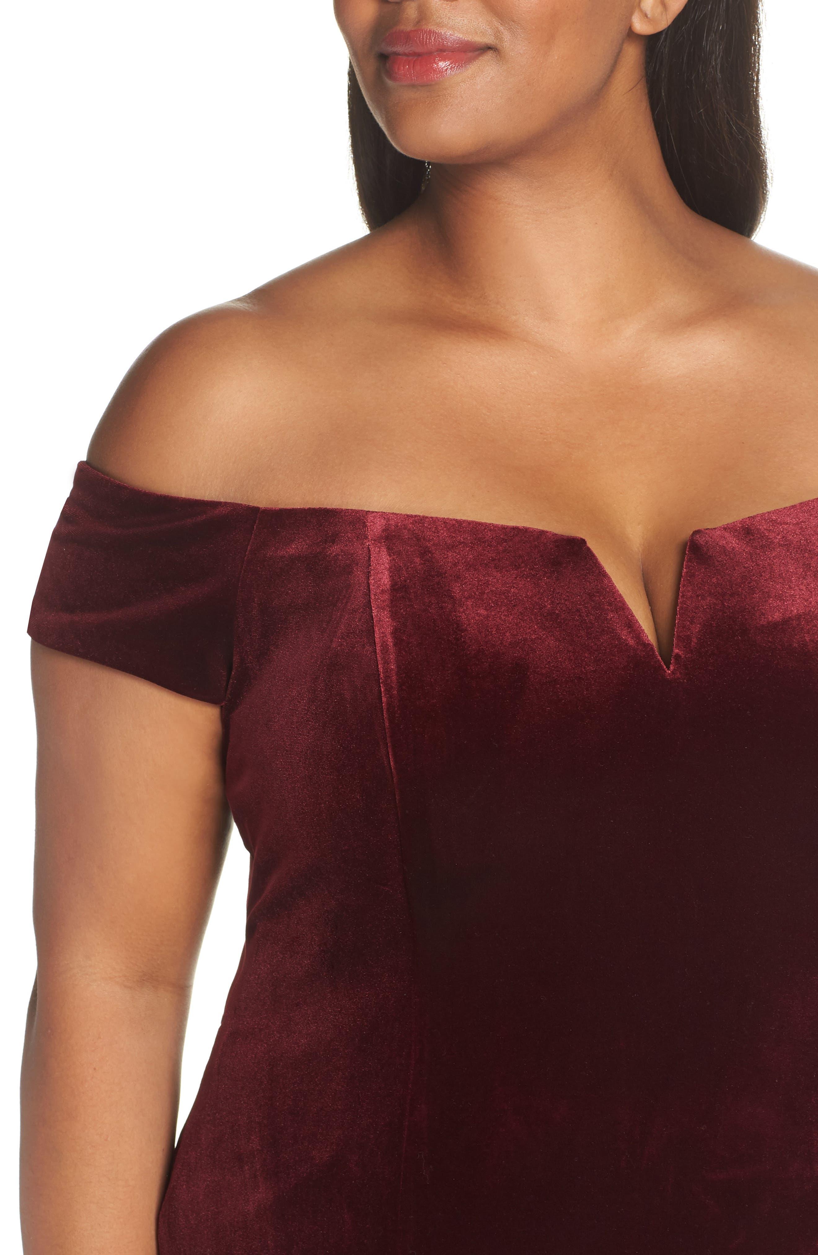 VINCE CAMUTO, Notch Neck Velvet Off the Shoulder Gown, Alternate thumbnail 5, color, 930