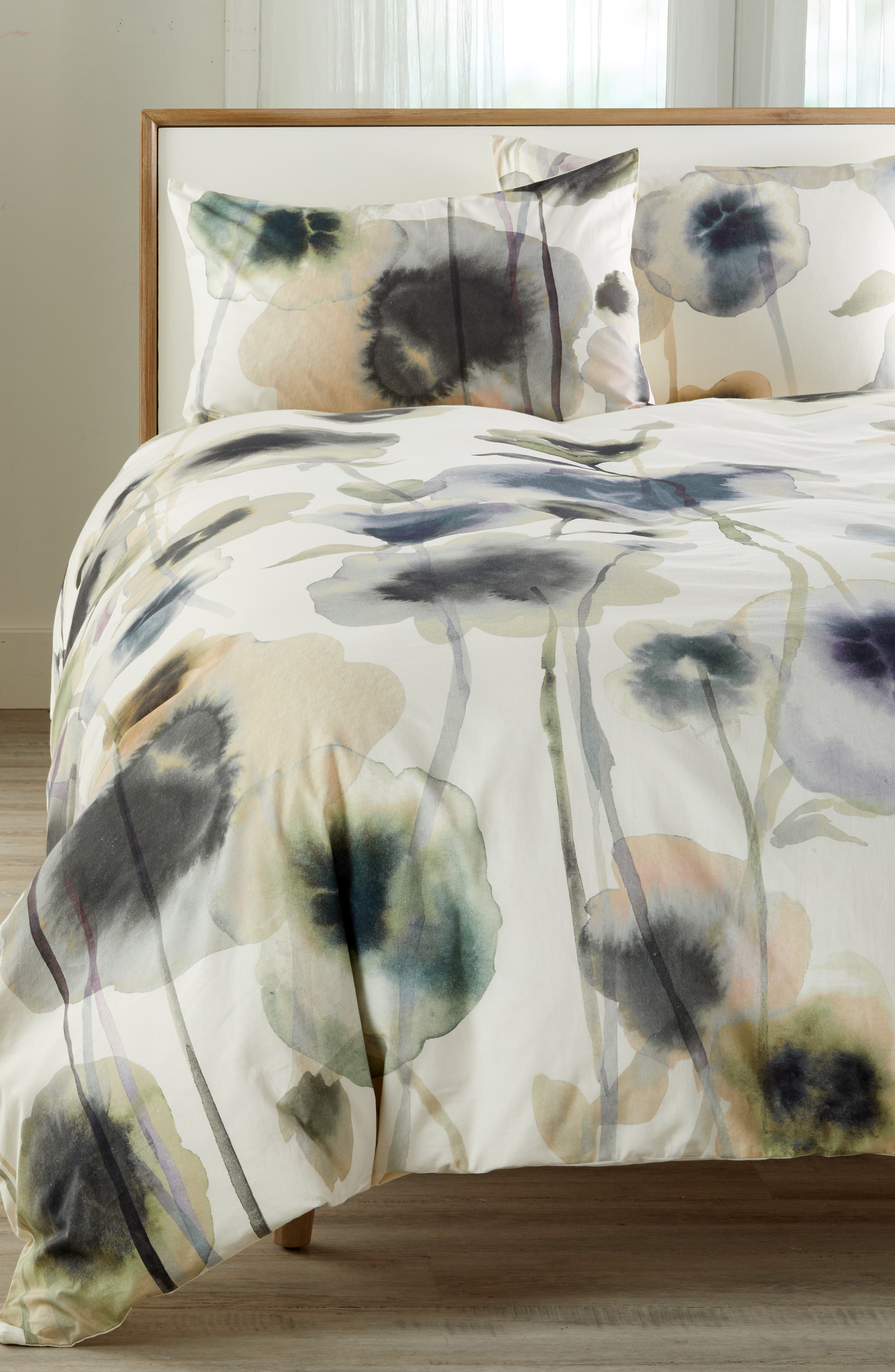 TREASURE & BOND, Floral Print Duvet Cover, Main thumbnail 1, color, WHITE WHISPER
