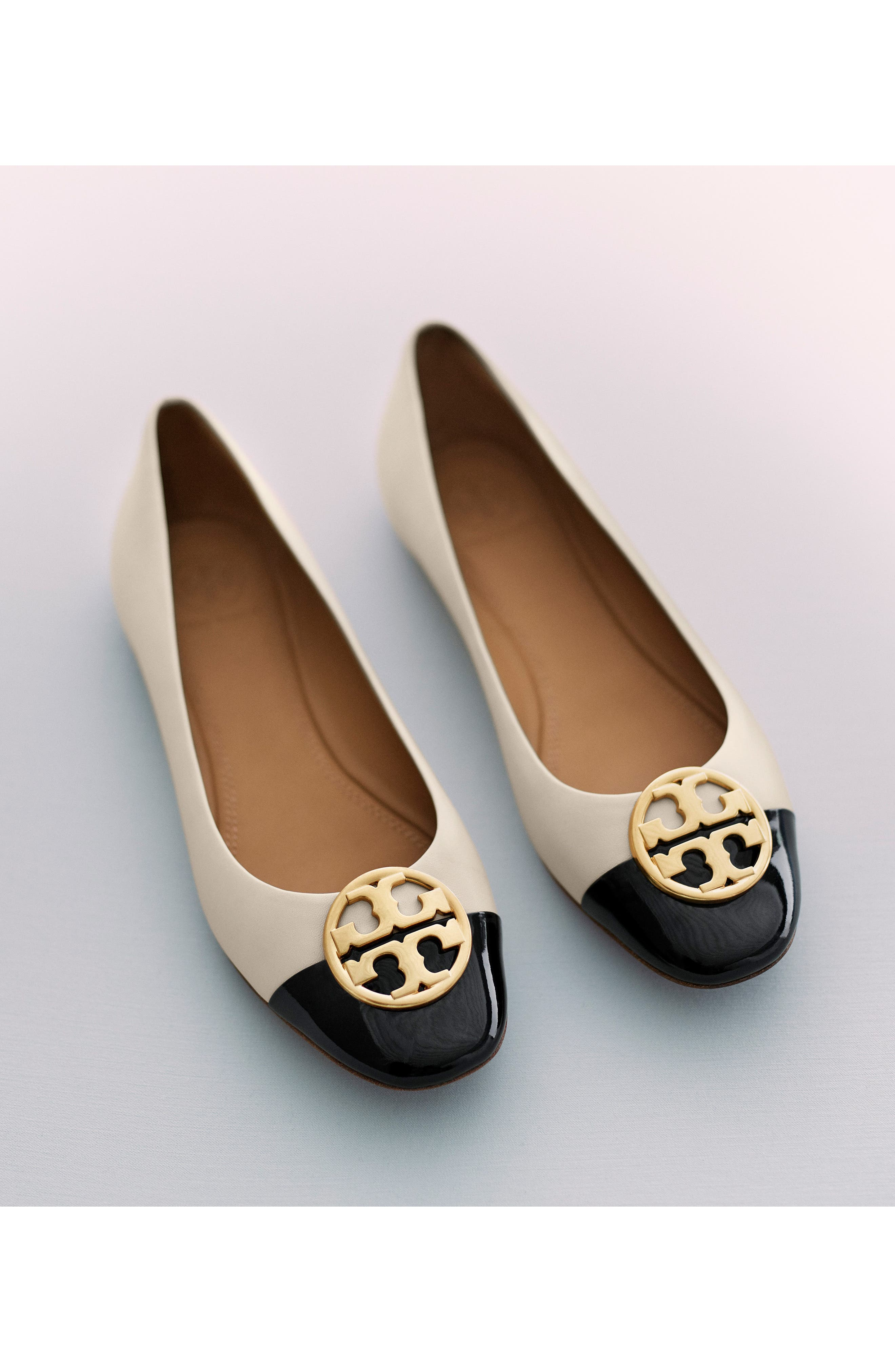 TORY BURCH, Chelsea Cap Toe Ballet Flat, Alternate thumbnail 7, color, BLACK