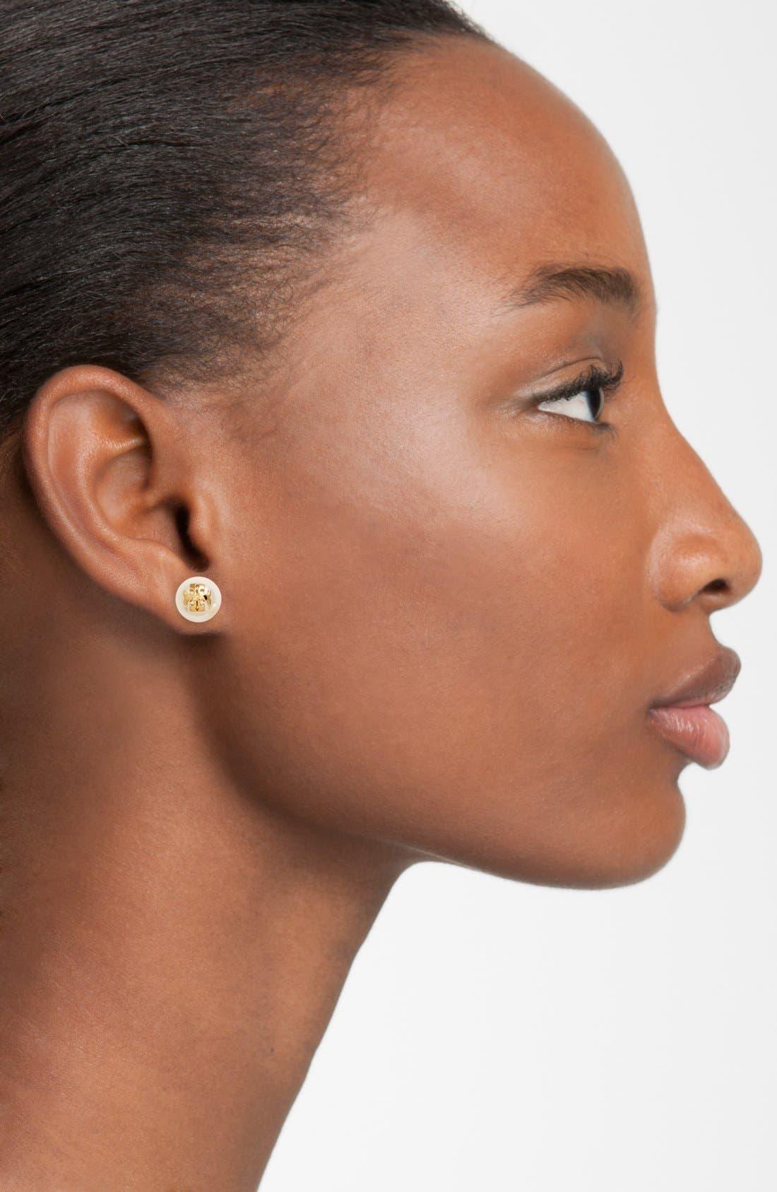 TORY BURCH, Swarovski Crystal Pearl Logo Stud Earrings, Alternate thumbnail 2, color, IVORY/ TORY GOLD