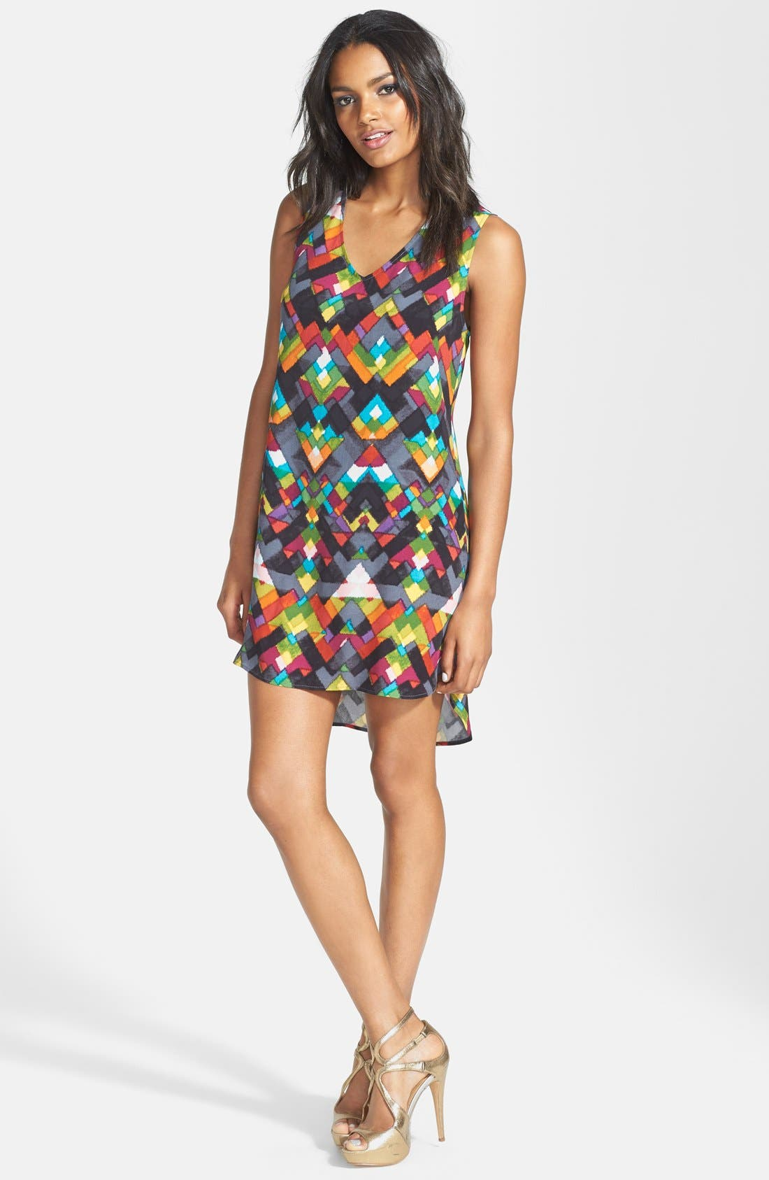WAYF Diamond Print Crepe V-Neck Shift Dress, Main, color, 500