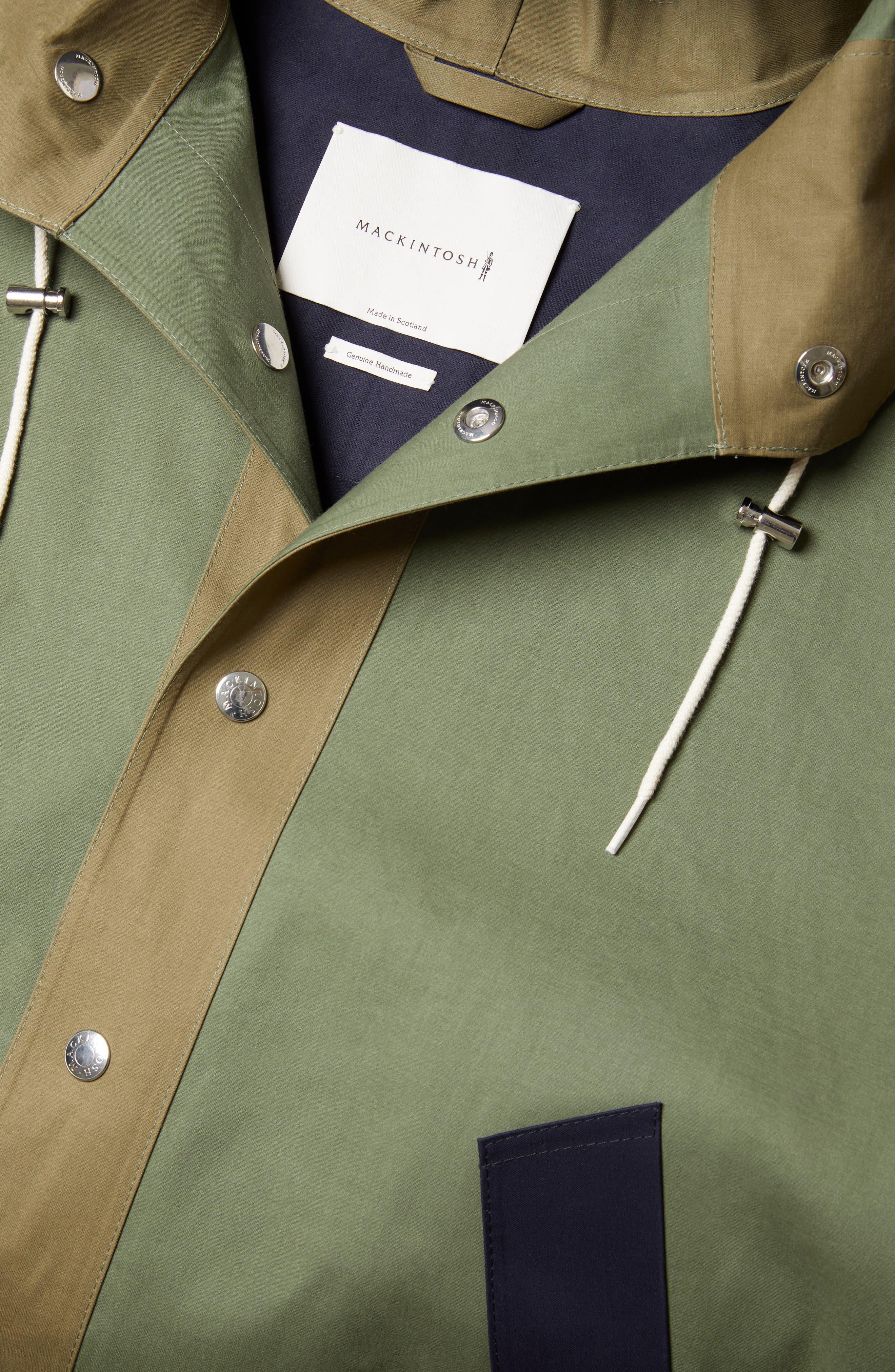 MACKINTOSH, Gents Bonded Cotton Hooded Poncho, Alternate thumbnail 5, color, FOUR LEAF CLOVER/ BLUE DEPTH