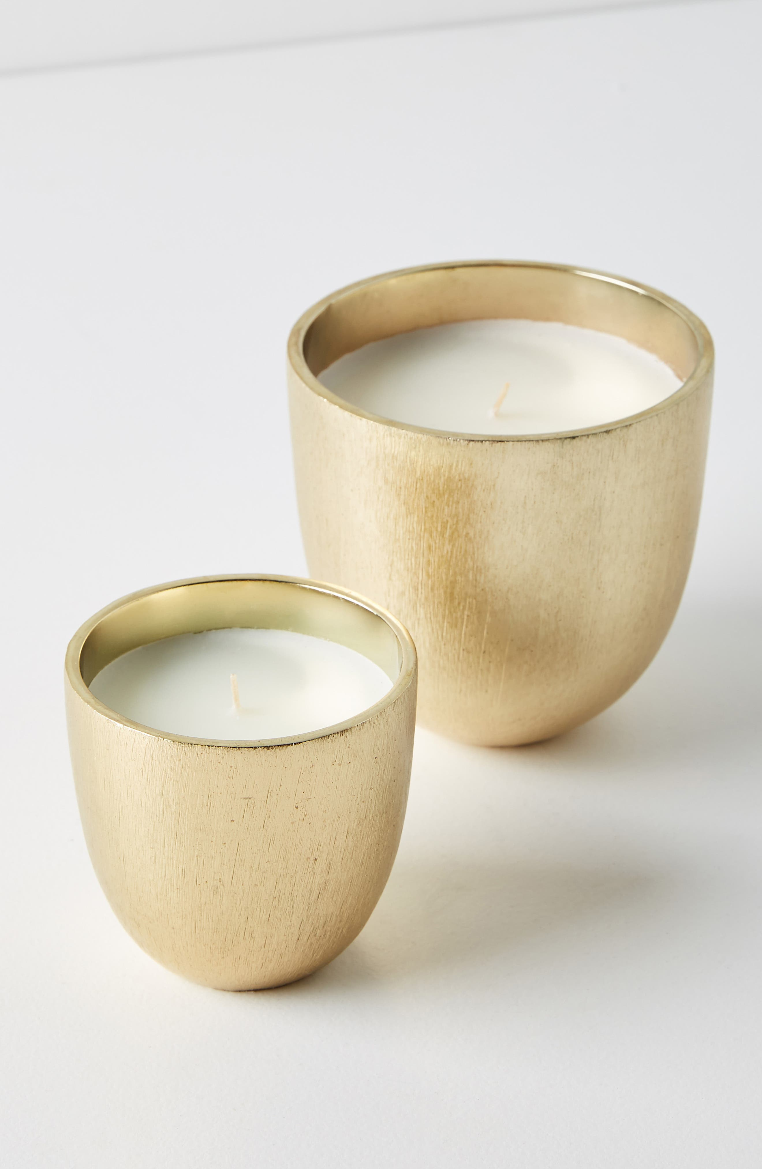 ANTHROPOLOGIE, Gilded Rock Oud & Amber Scented Candle, Alternate thumbnail 2, color, 710