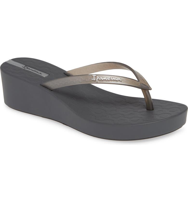 aadacd696 Ipanema Daisy Wedge Flip-Flop (Women)