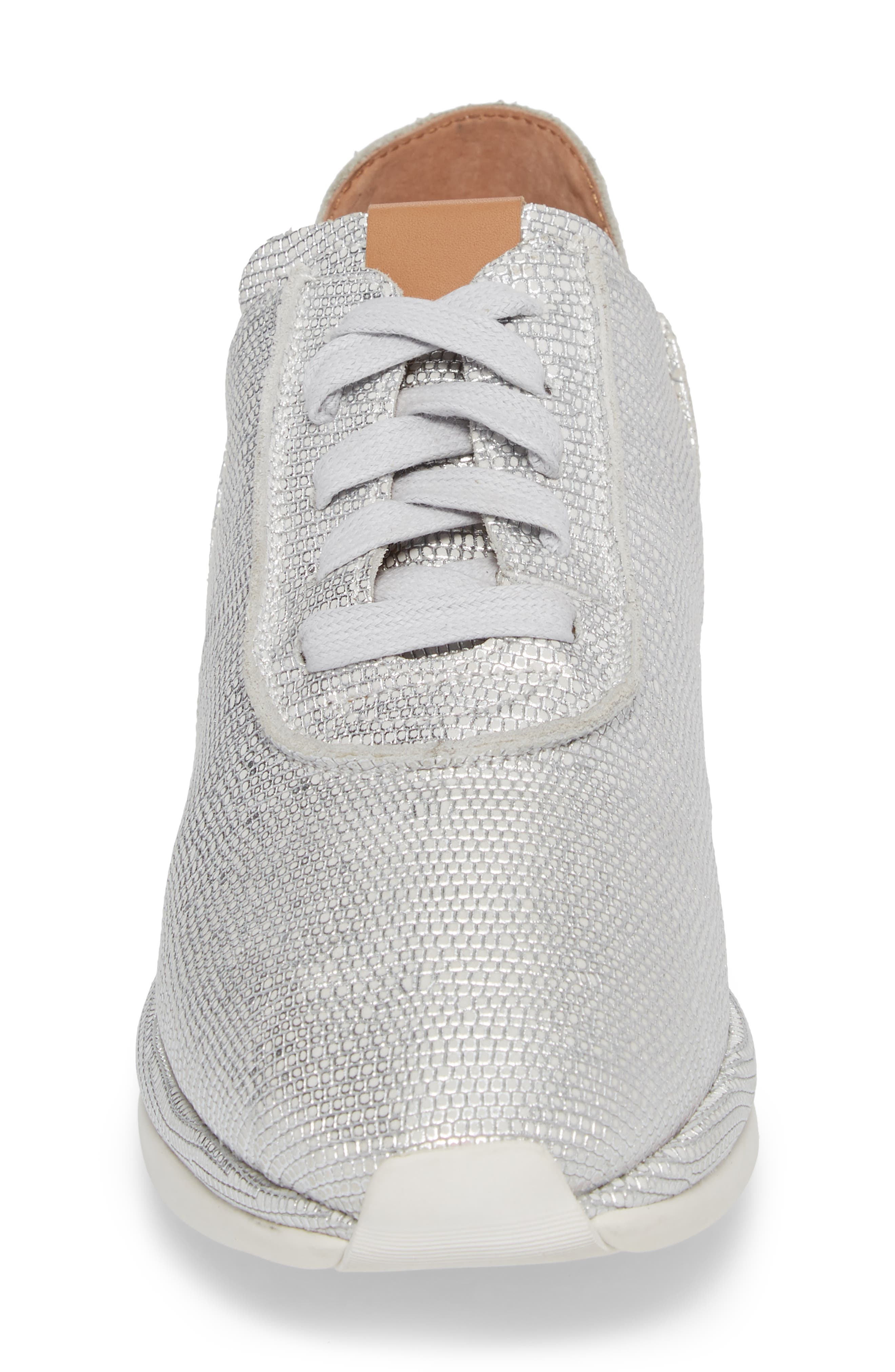 GENTLE SOULS BY KENNETH COLE, Raina Sneaker, Alternate thumbnail 4, color, WHITE/ SILVER LEATHER