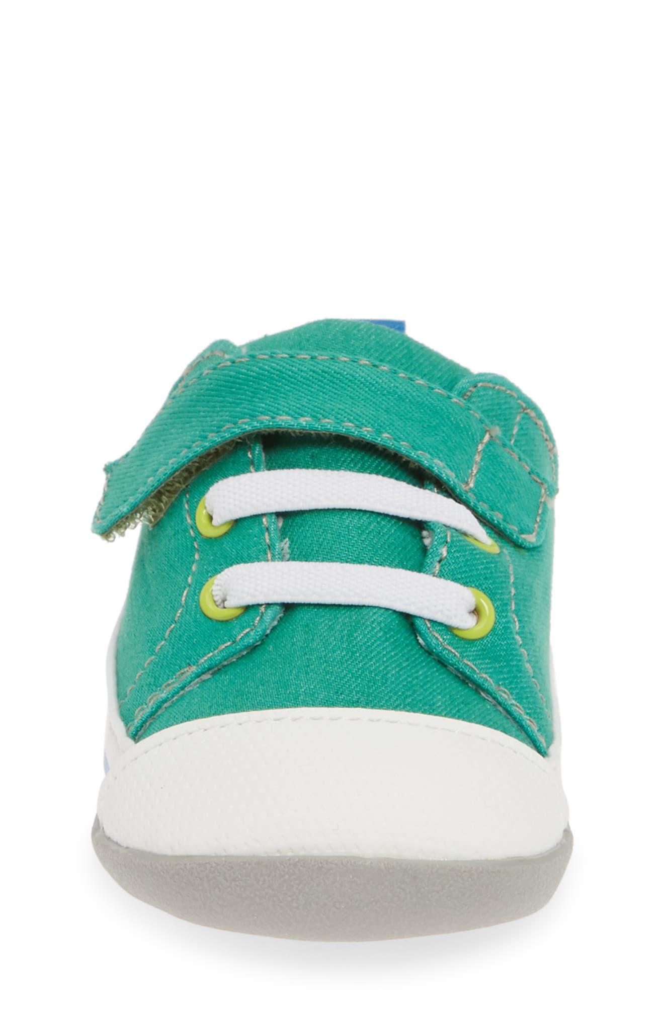 SEE KAI RUN, Stevie II Sneaker, Alternate thumbnail 4, color, GREEN/ GREEN DENIM