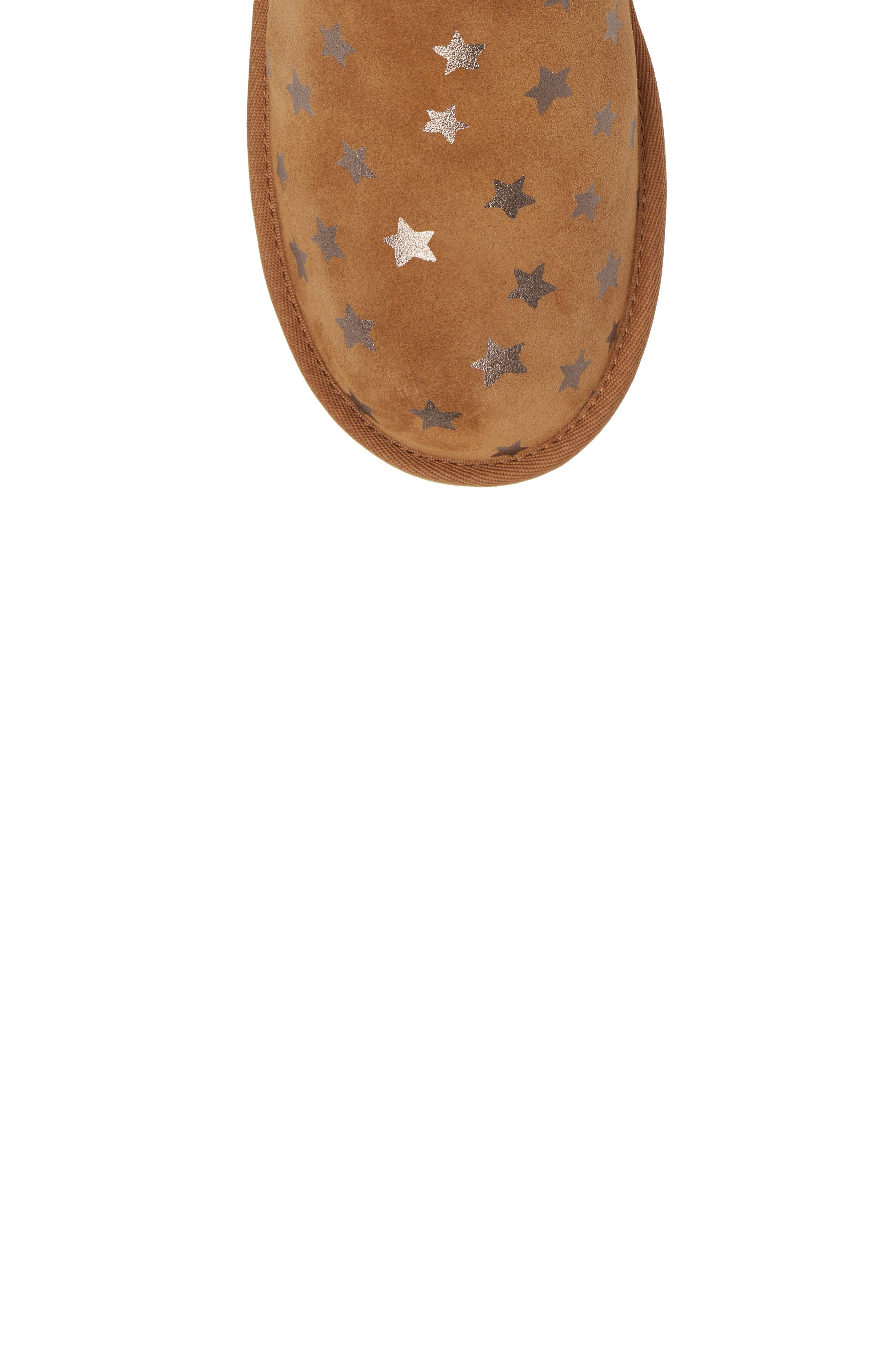 UGG<SUP>®</SUP>, Classic Short II Water Resistant Stars Boot, Alternate thumbnail 5, color, CHESTNUT