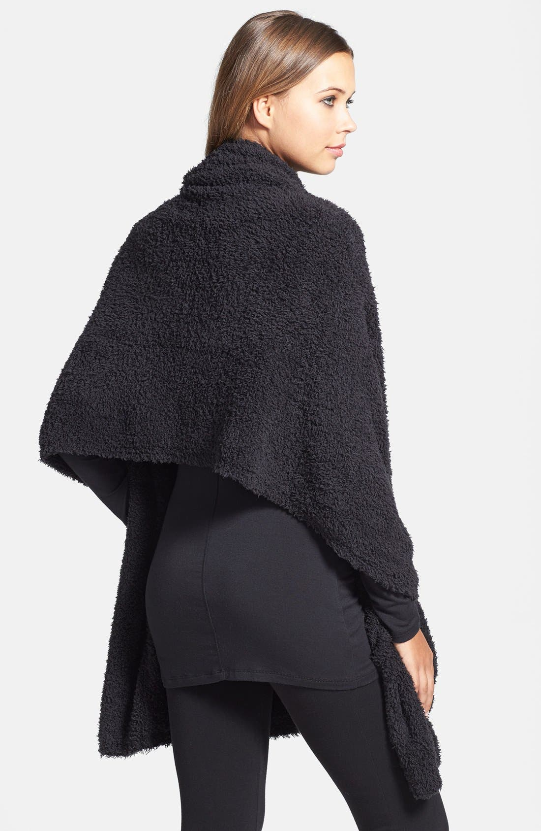 BAREFOOT DREAMS<SUP>®</SUP>, CozyChic<sup>®</sup> Travel Shawl, Alternate thumbnail 4, color, BLACK