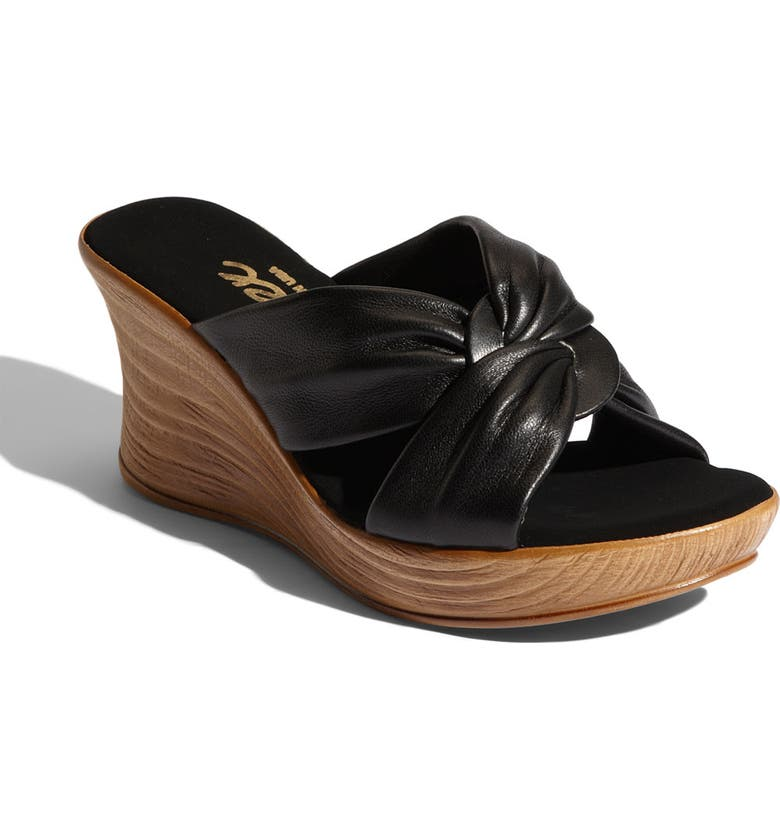 5c3e8721a978 Onex  Puffy  Platform Sandal