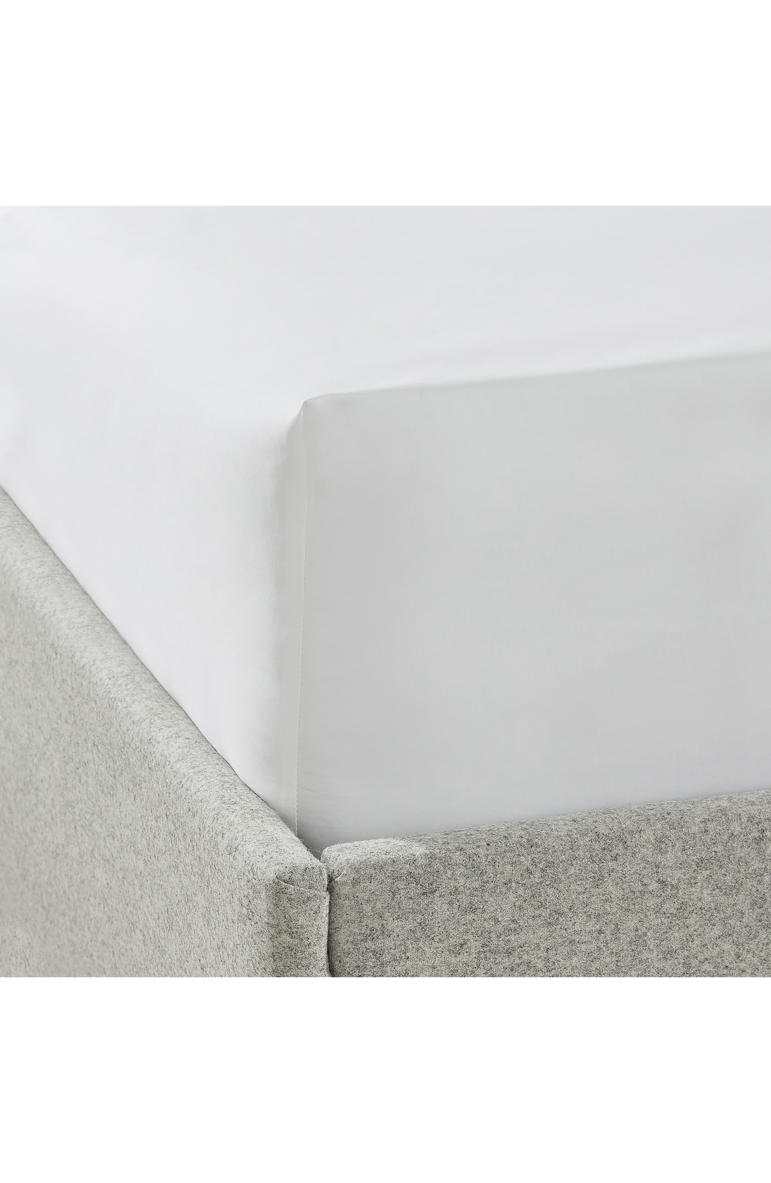 THE WHITE COMPANY Cavendish 800 Thread Count Fitted Sheet, Main, color, WHITE