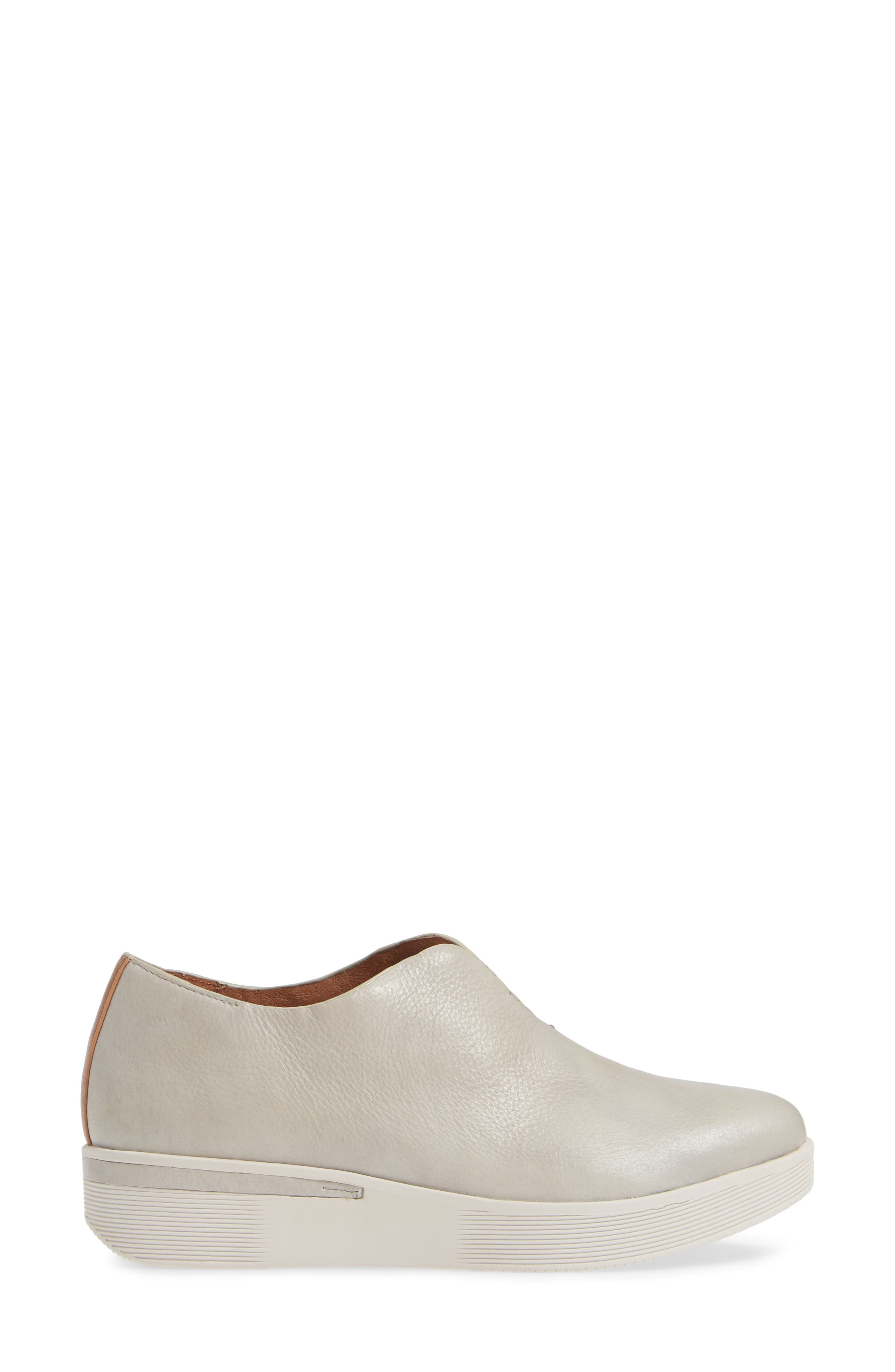 GENTLE SOULS BY KENNETH COLE, Hanna Slip-On Sneaker, Alternate thumbnail 3, color, LIGHT GREY LEATHER