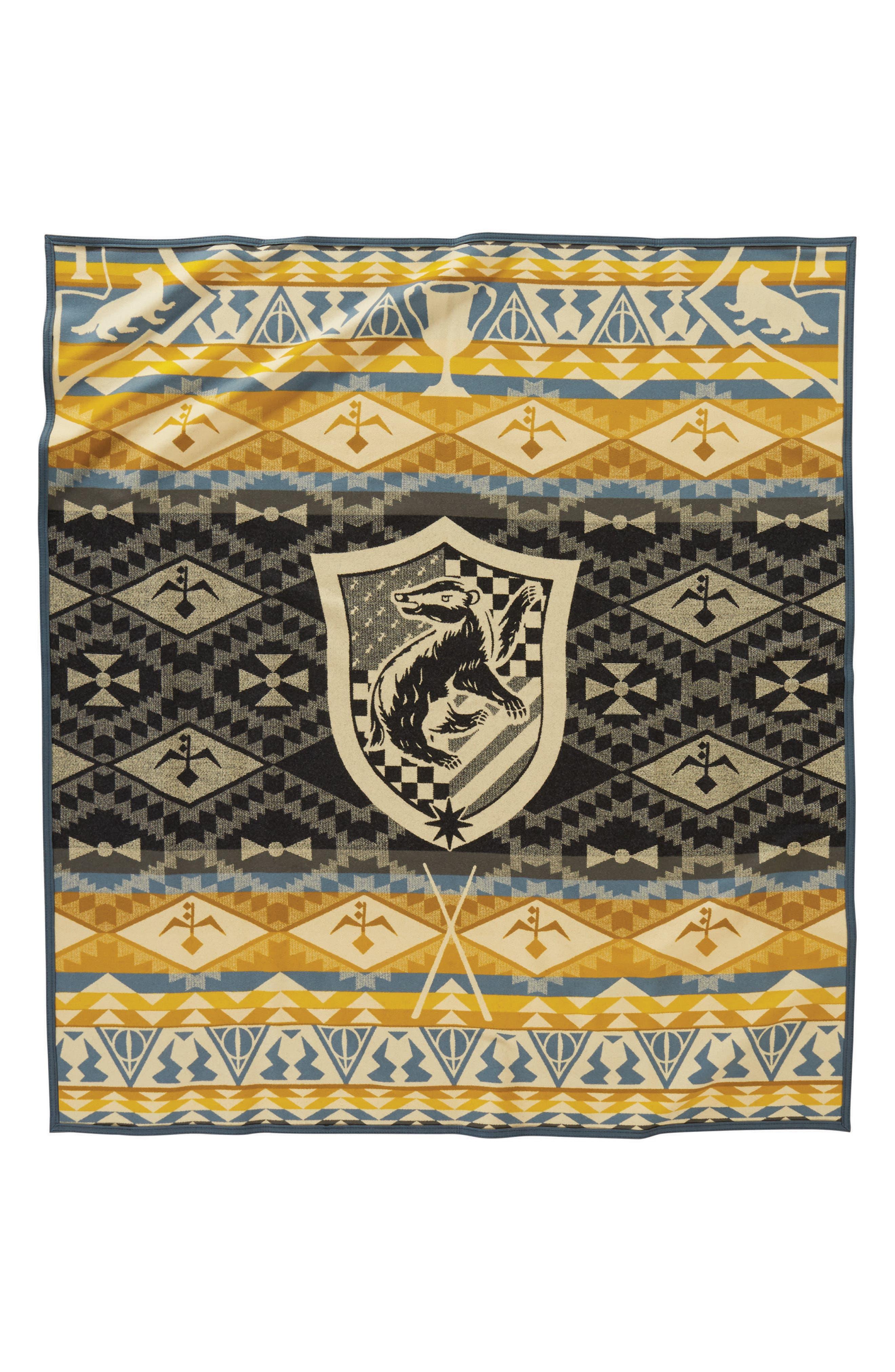 PENDLETON, Harry Potter - Hufflepuff Blanket, Alternate thumbnail 2, color, YELLOW